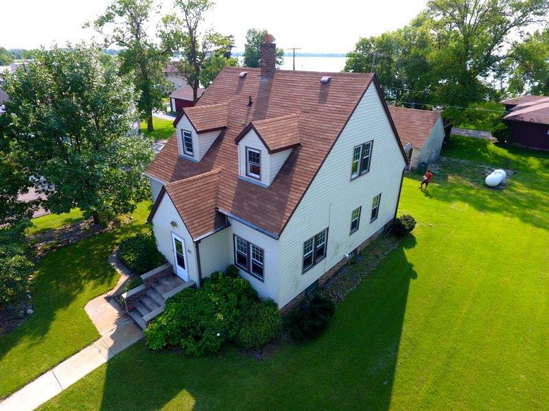 211 W 2nd Street Property Photo - Graceville, MN real estate listing