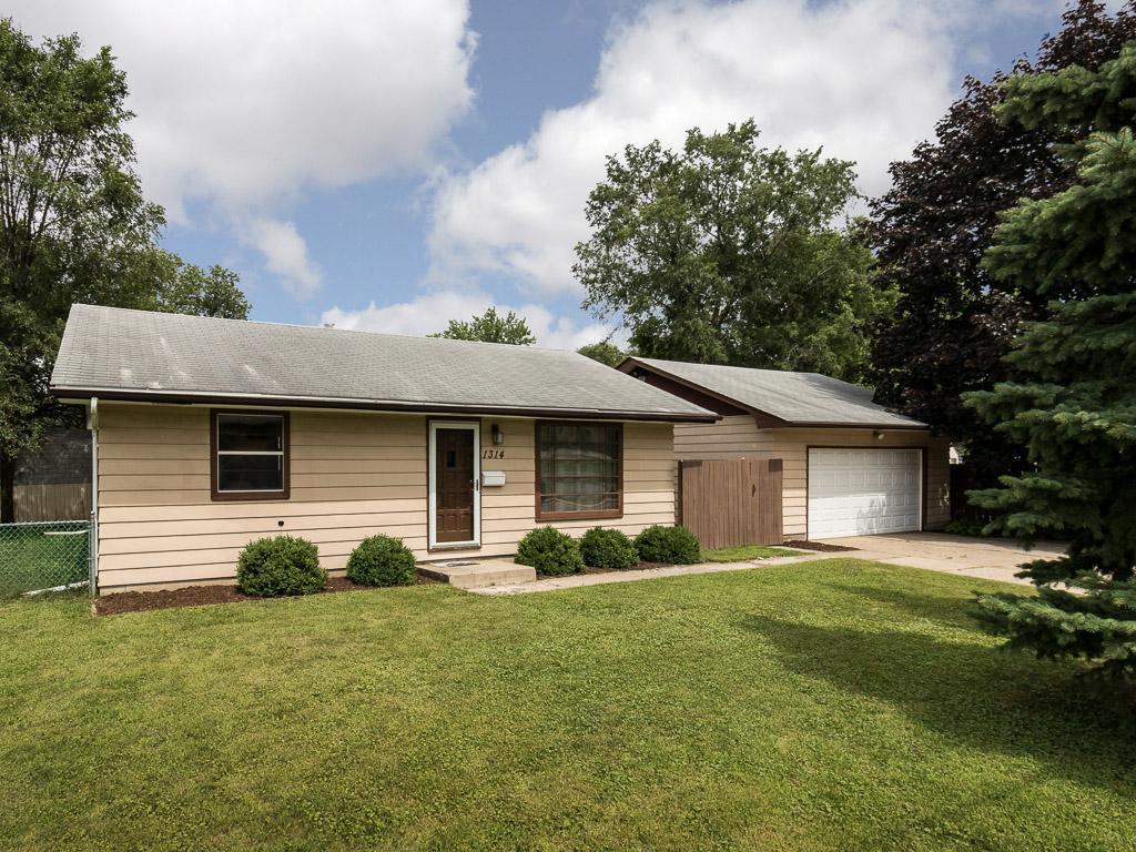 1314 E 86th Street Property Photo - Bloomington, MN real estate listing