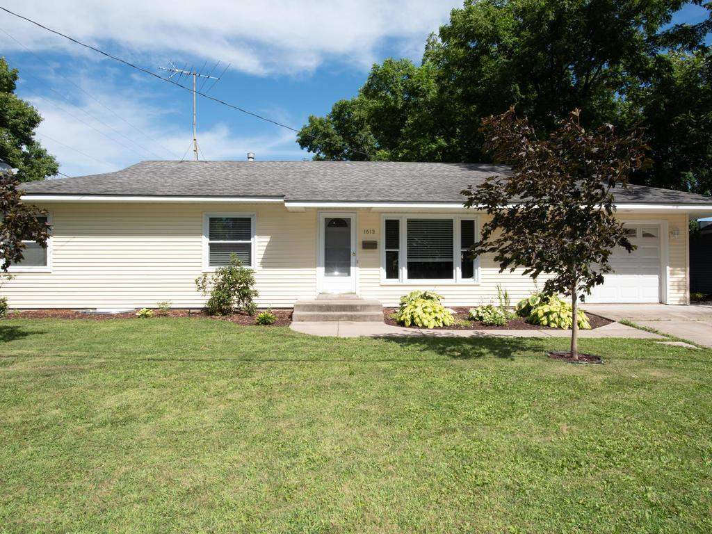 1613 Spring Street Property Photo - Hastings, MN real estate listing