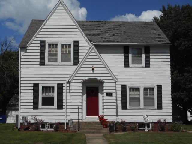 310 3rd Avenue W Property Photo - Lamberton, MN real estate listing