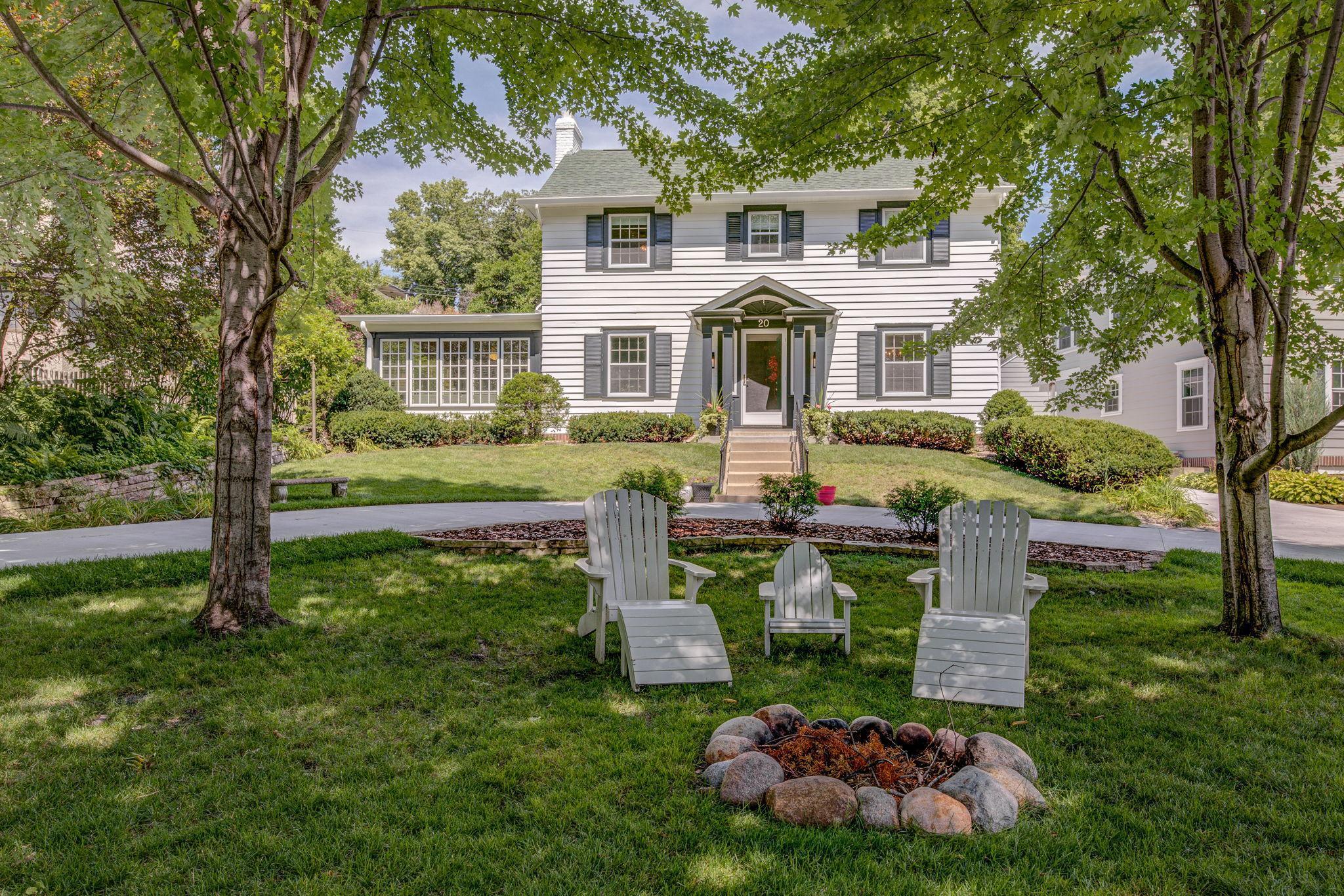 20 E Minnehaha Parkway Property Photo - Minneapolis, MN real estate listing
