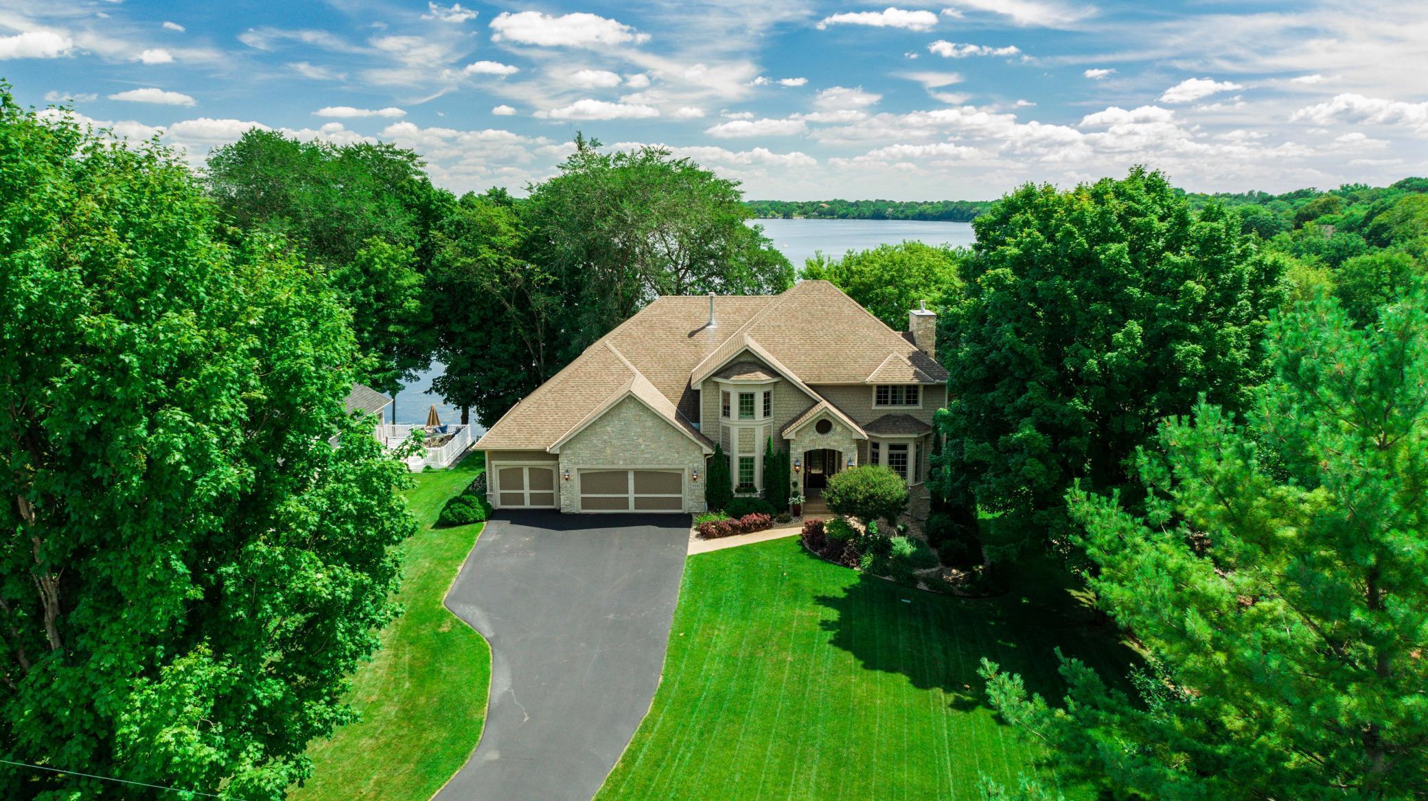 9381 Kiowa Trail Property Photo - Chanhassen, MN real estate listing