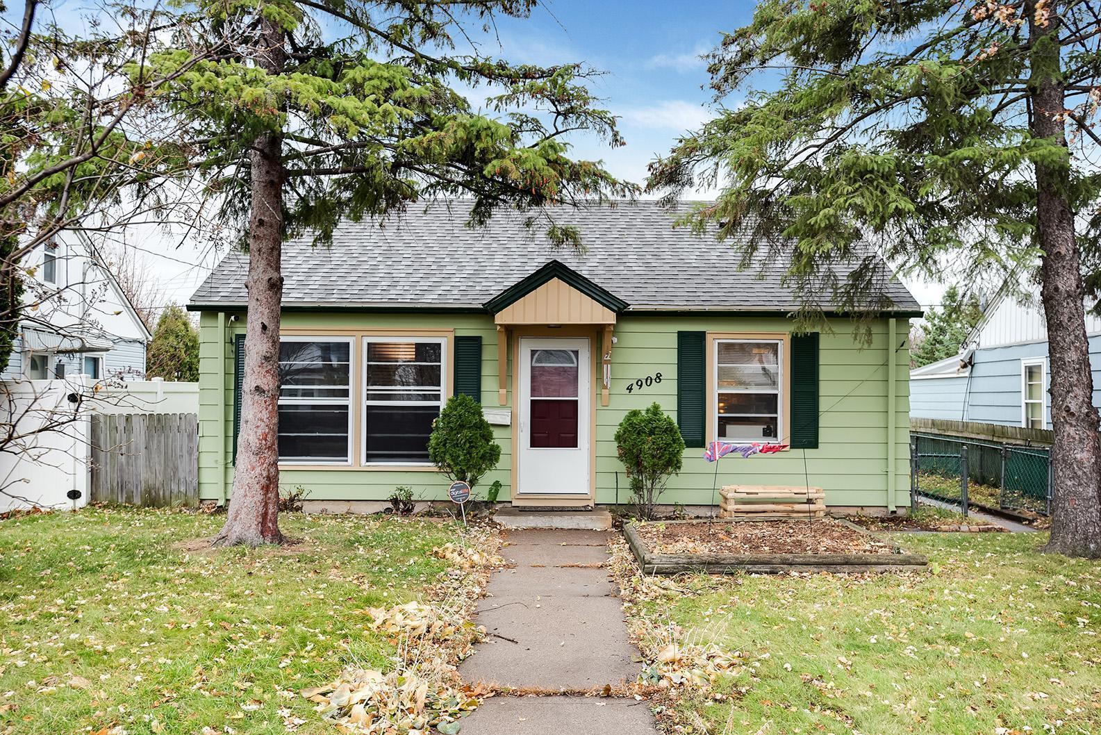 4908 Fremont Avenue N Property Photo