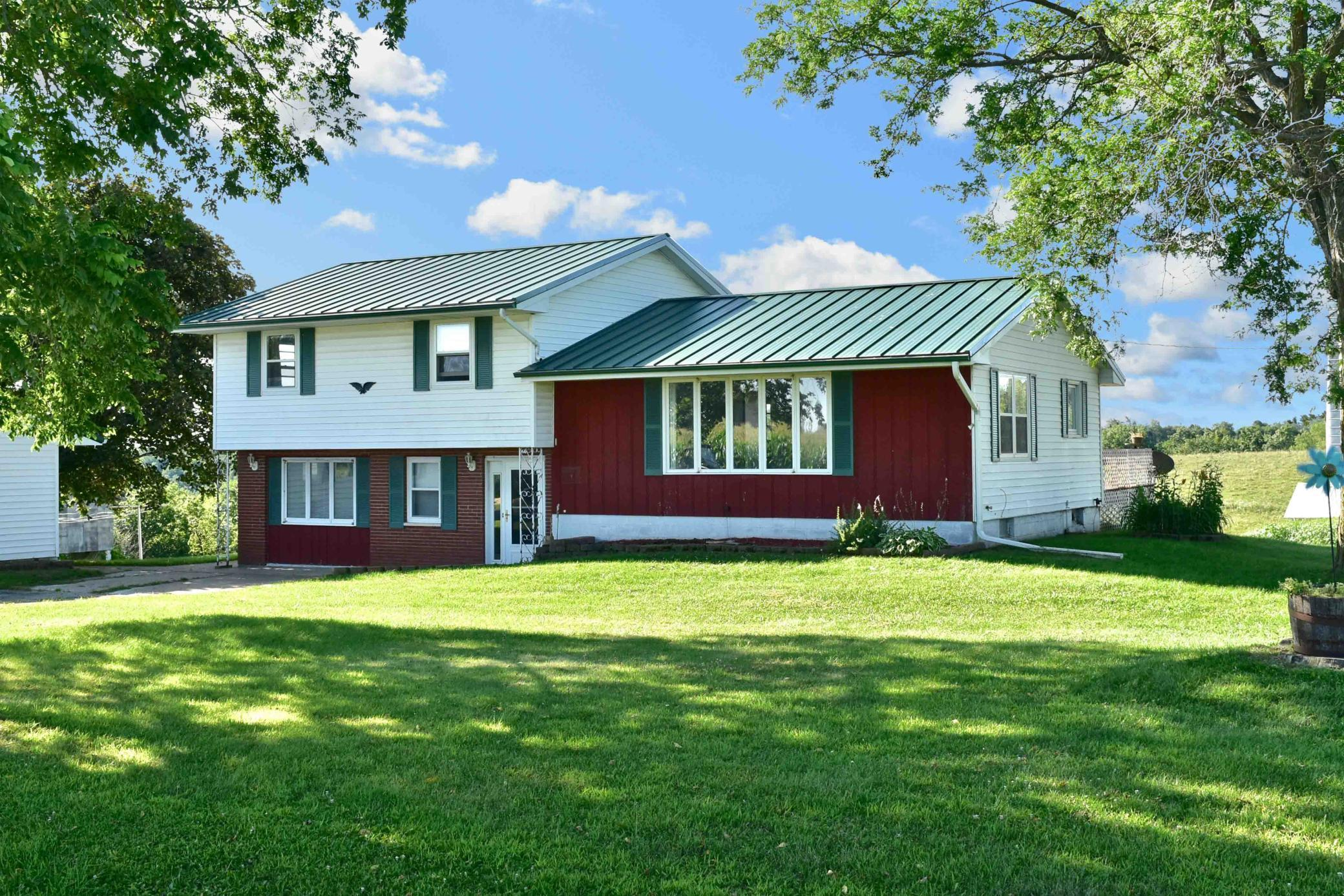 35047 Skyview Drive Property Photo - Winona, MN real estate listing