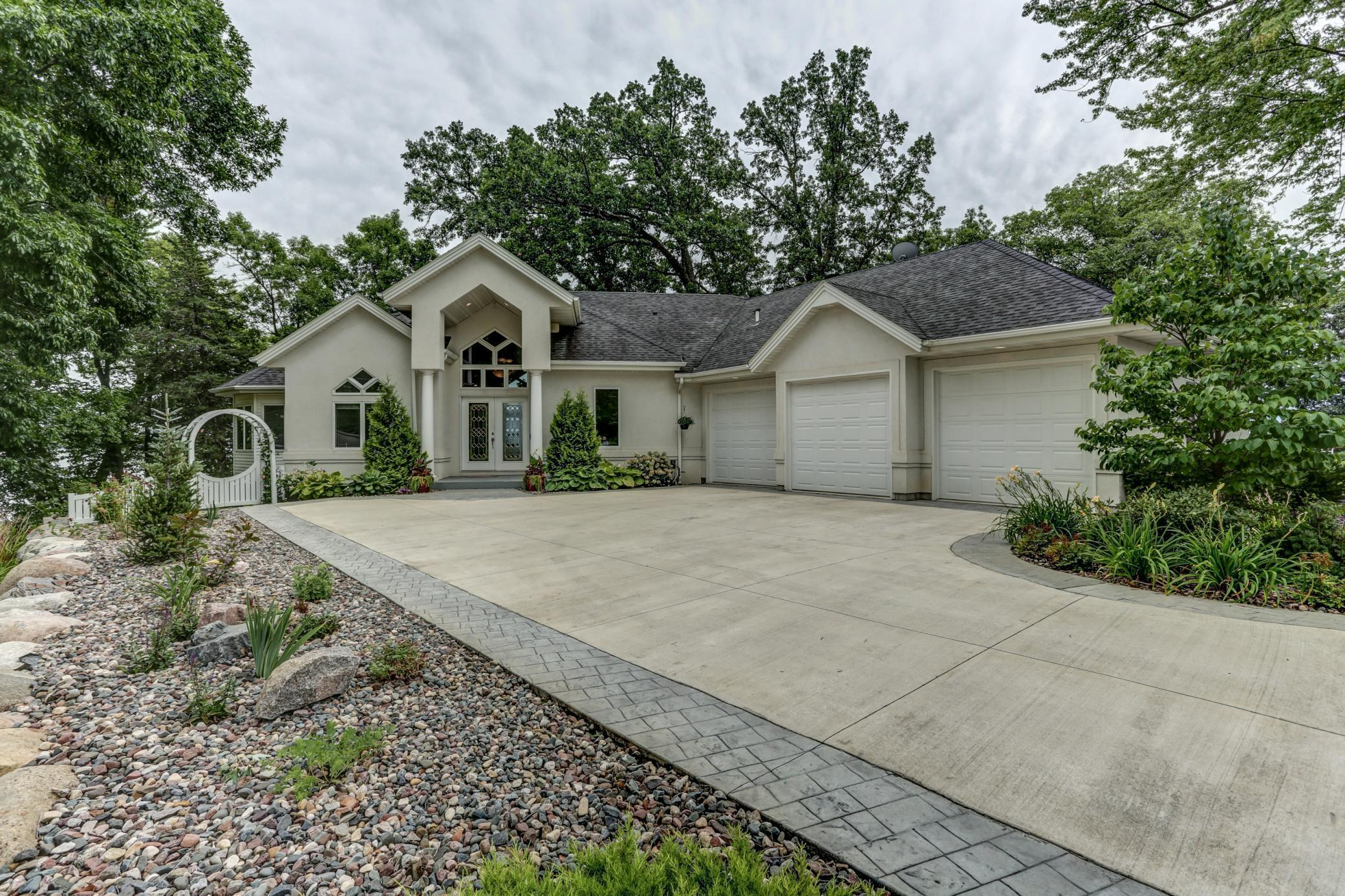 1795 Shoreline Boulevard Property Photo - Prior Lake, MN real estate listing