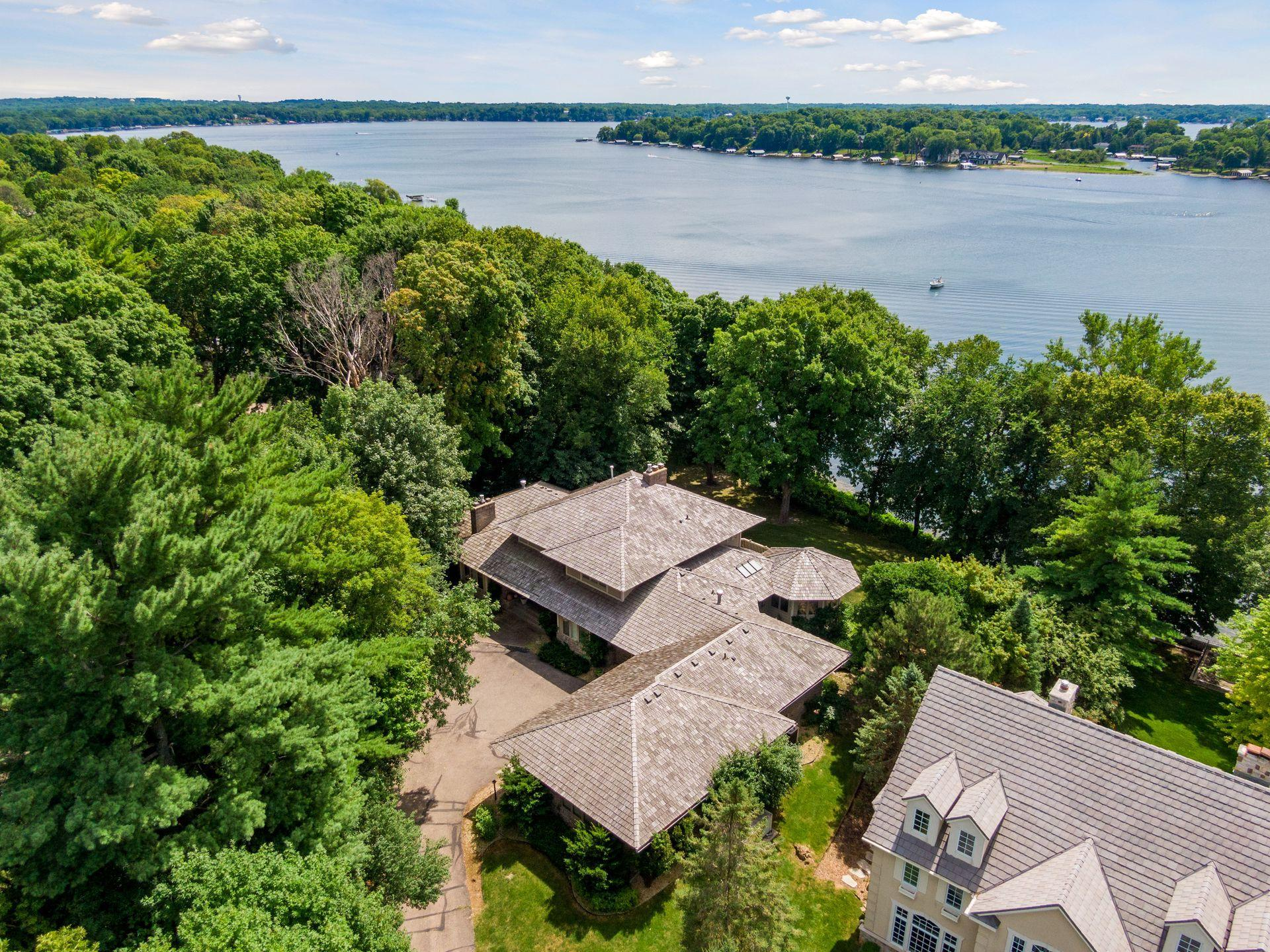 2523 Kelly Avenue Property Photo - Orono, MN real estate listing