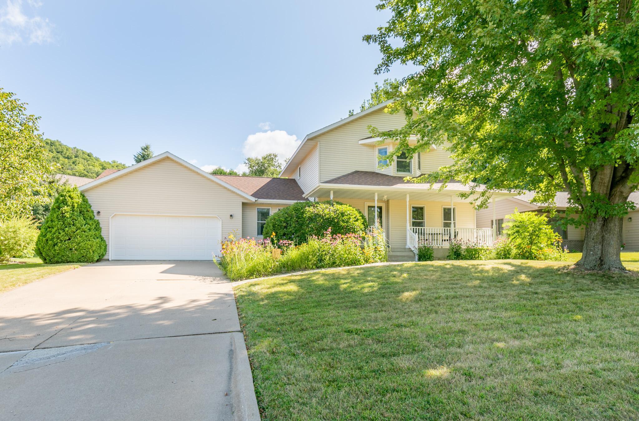 328 Regent Drive Property Photo - La Crescent, MN real estate listing