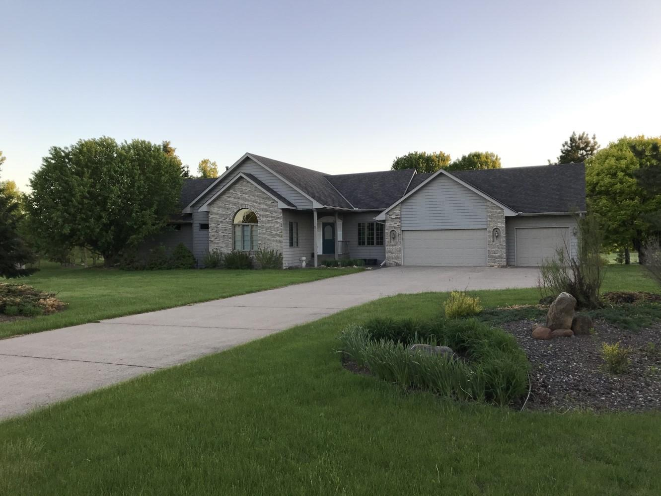2041 W Springbrook Trail Property Photo - Mora, MN real estate listing