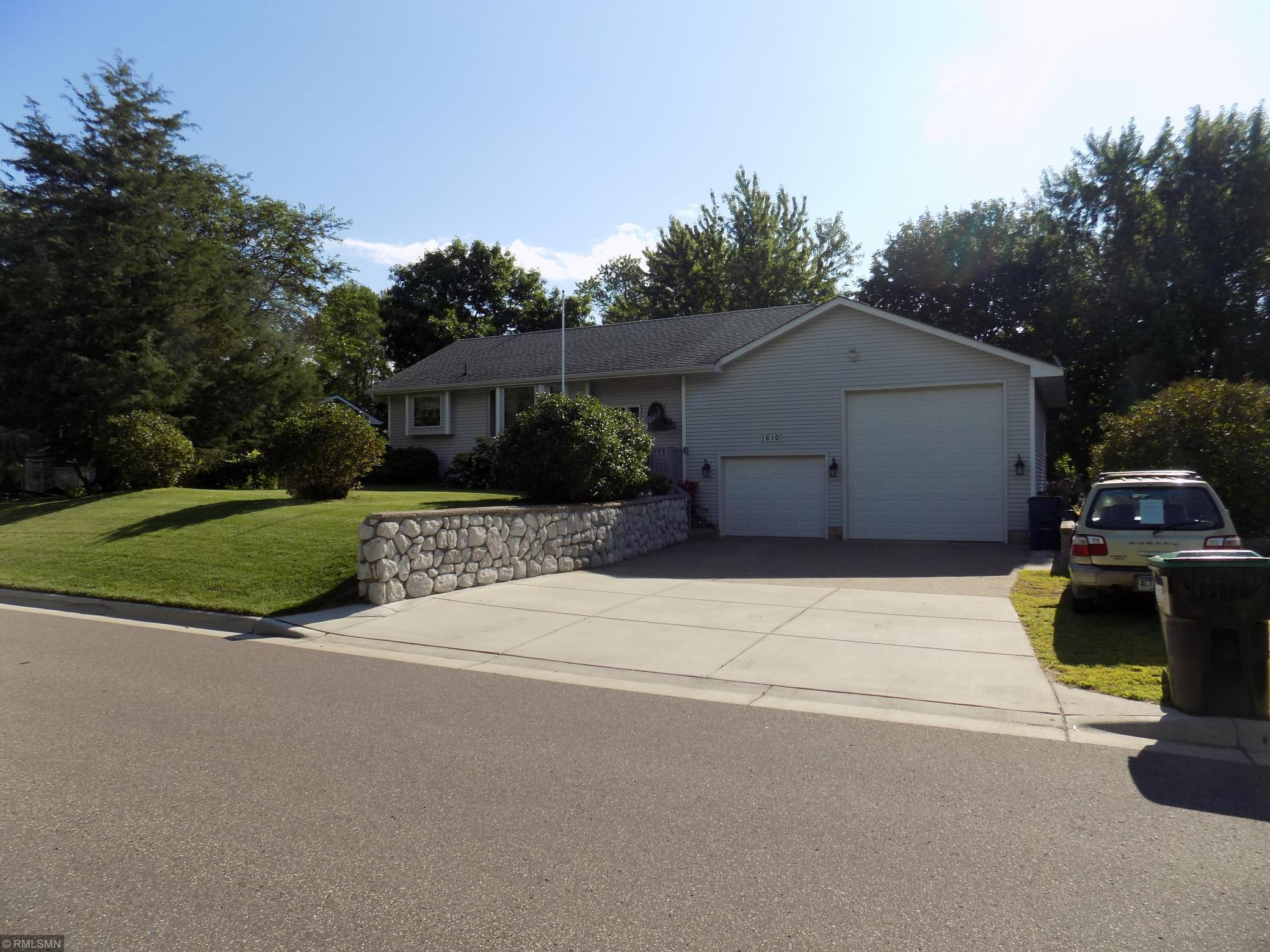 1610 10th Avenue Property Photo - Anoka, MN real estate listing