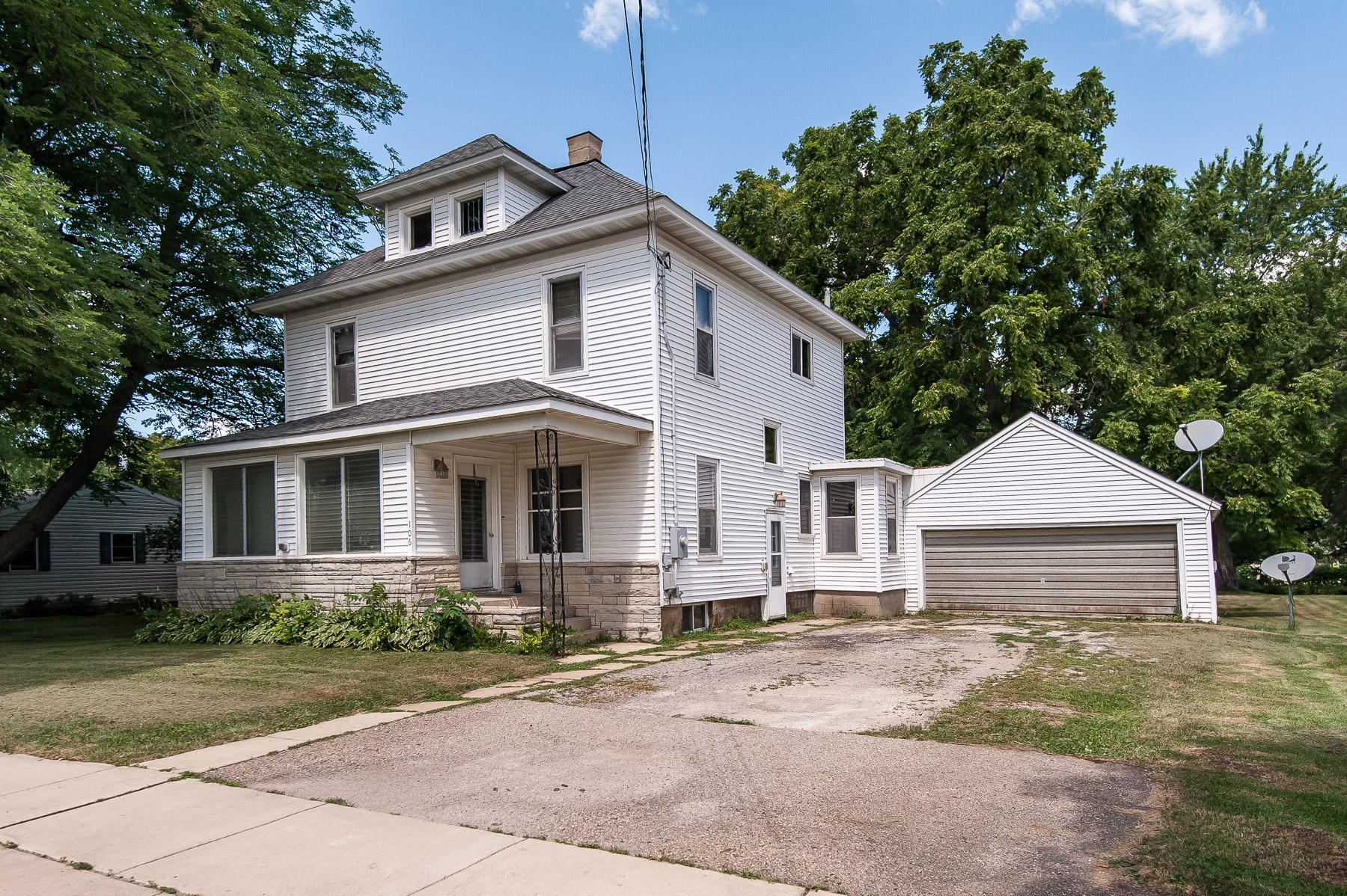 106 2nd Street NW Property Photo - Dodge Center, MN real estate listing