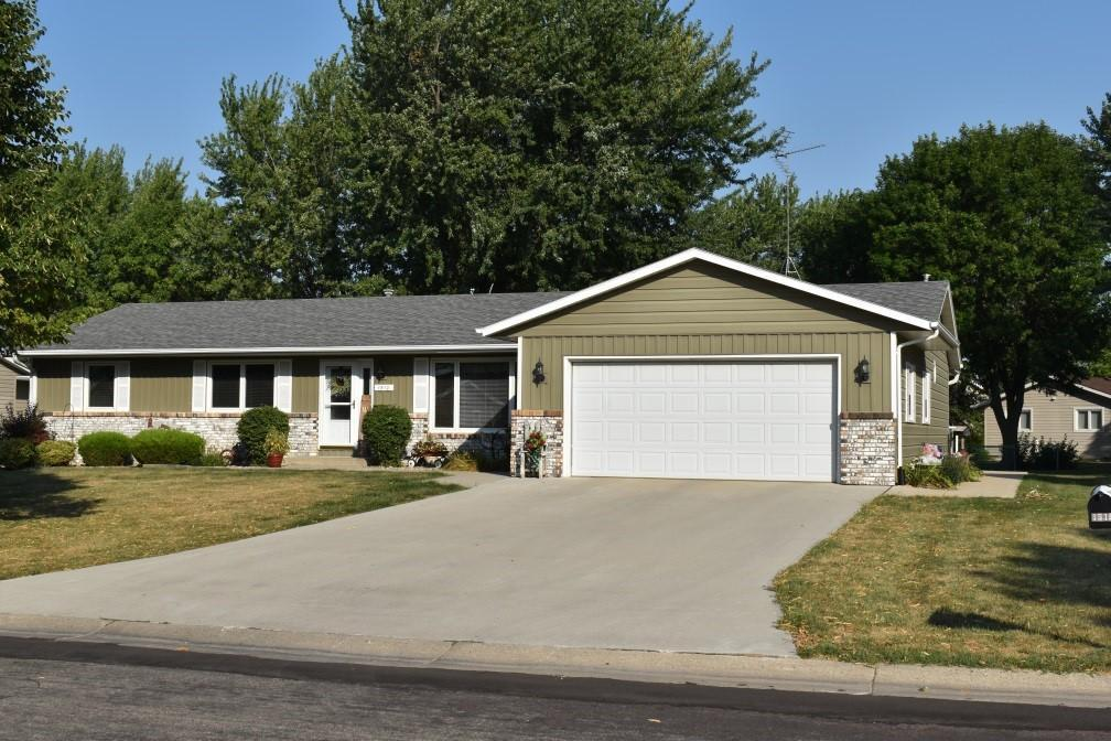 1510 Minnesota Drive Property Photo - Worthington, MN real estate listing