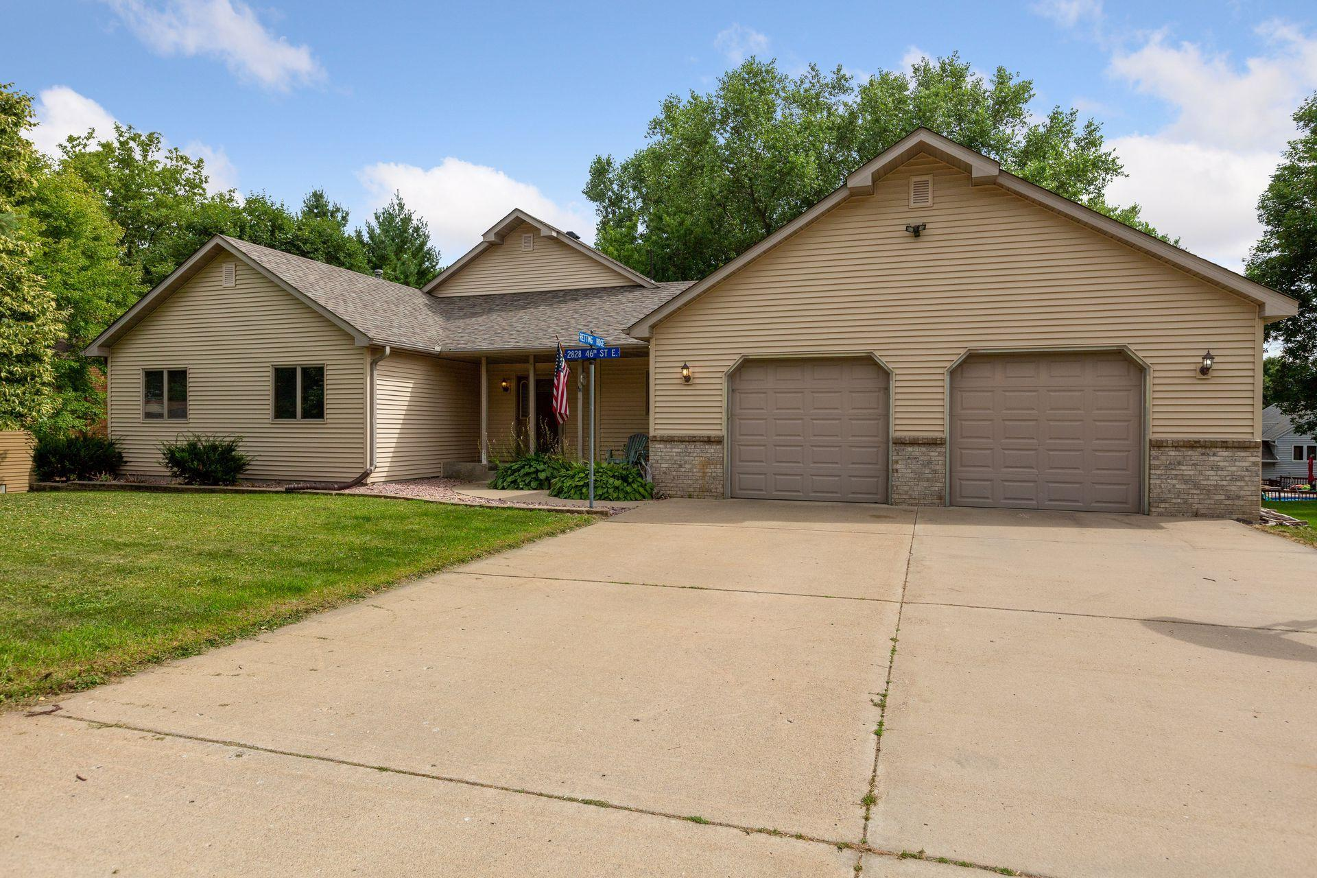 2828 46th Street E Property Photo - Inver Grove Heights, MN real estate listing