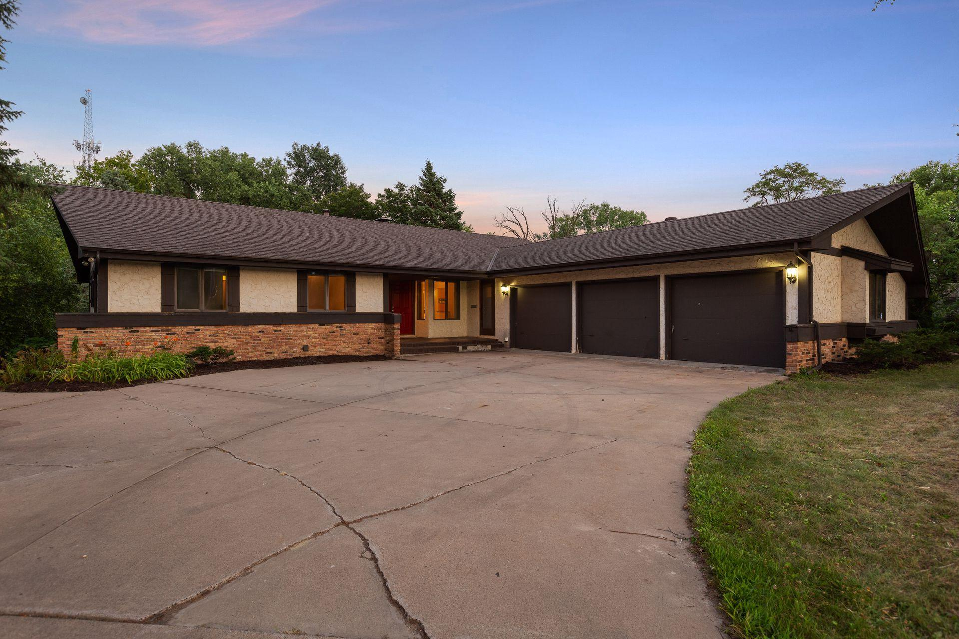 1970 Adair Avenue N Property Photo - Golden Valley, MN real estate listing
