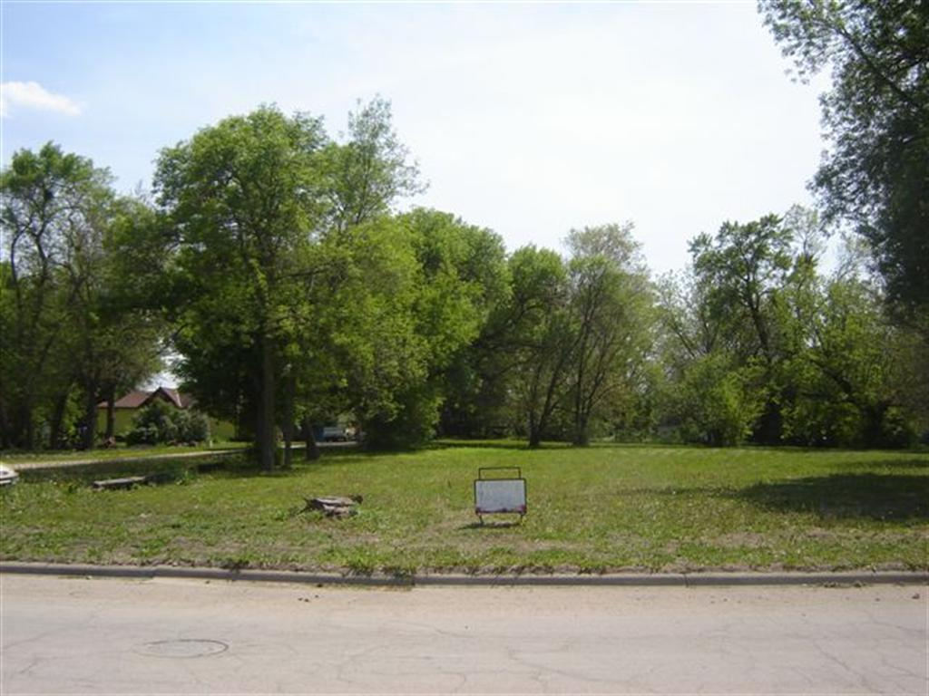1112 1st Avenue S Property Photo - Saint James, MN real estate listing