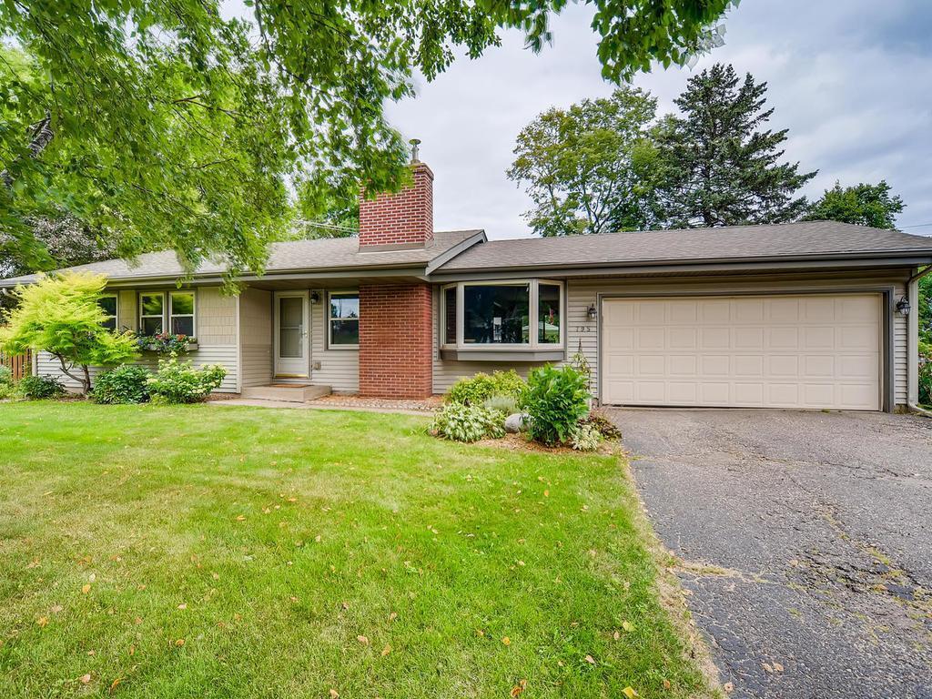 795 Creek Avenue Property Photo - Mendota Heights, MN real estate listing