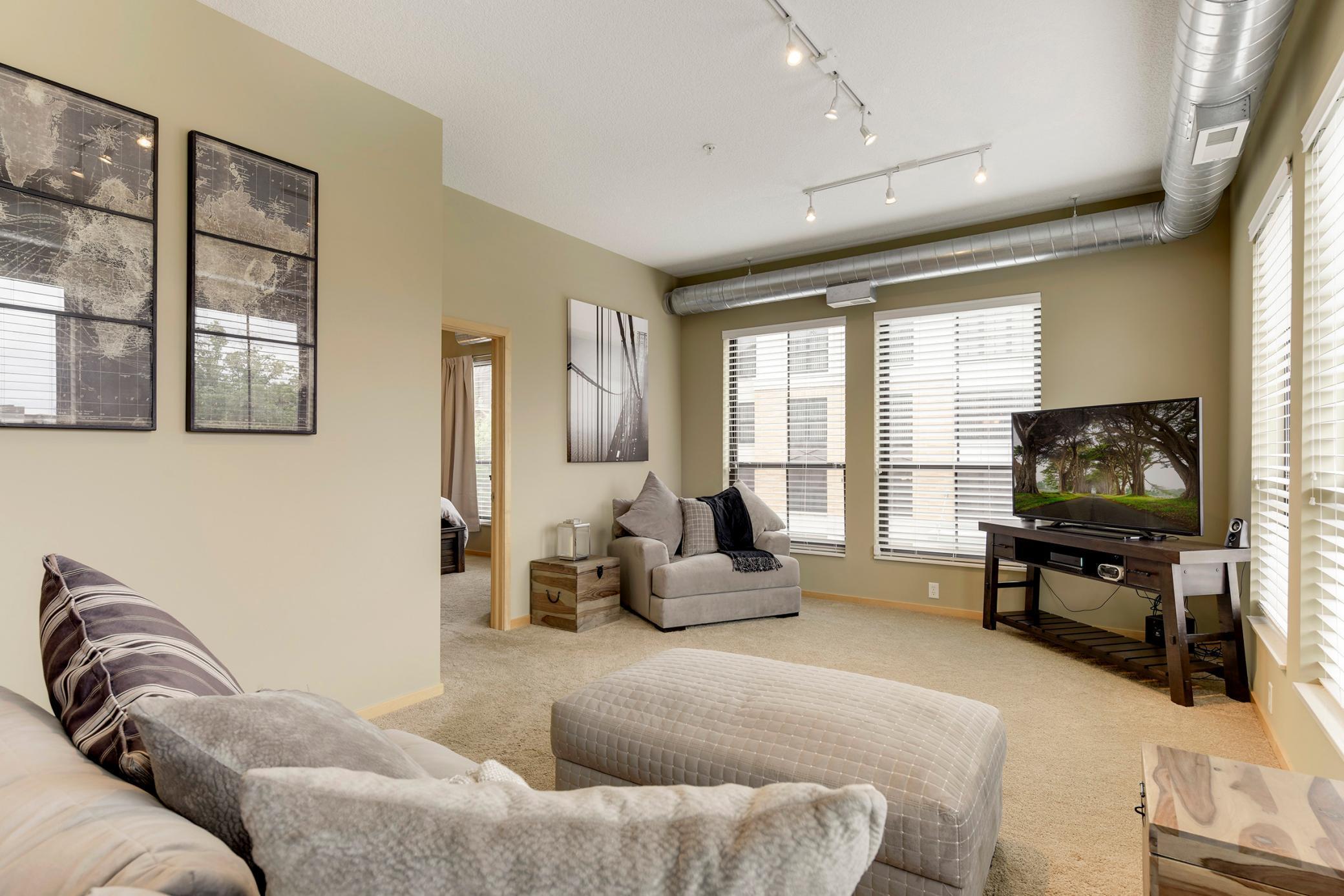 4525 Park Commons Drive #200 Property Photo