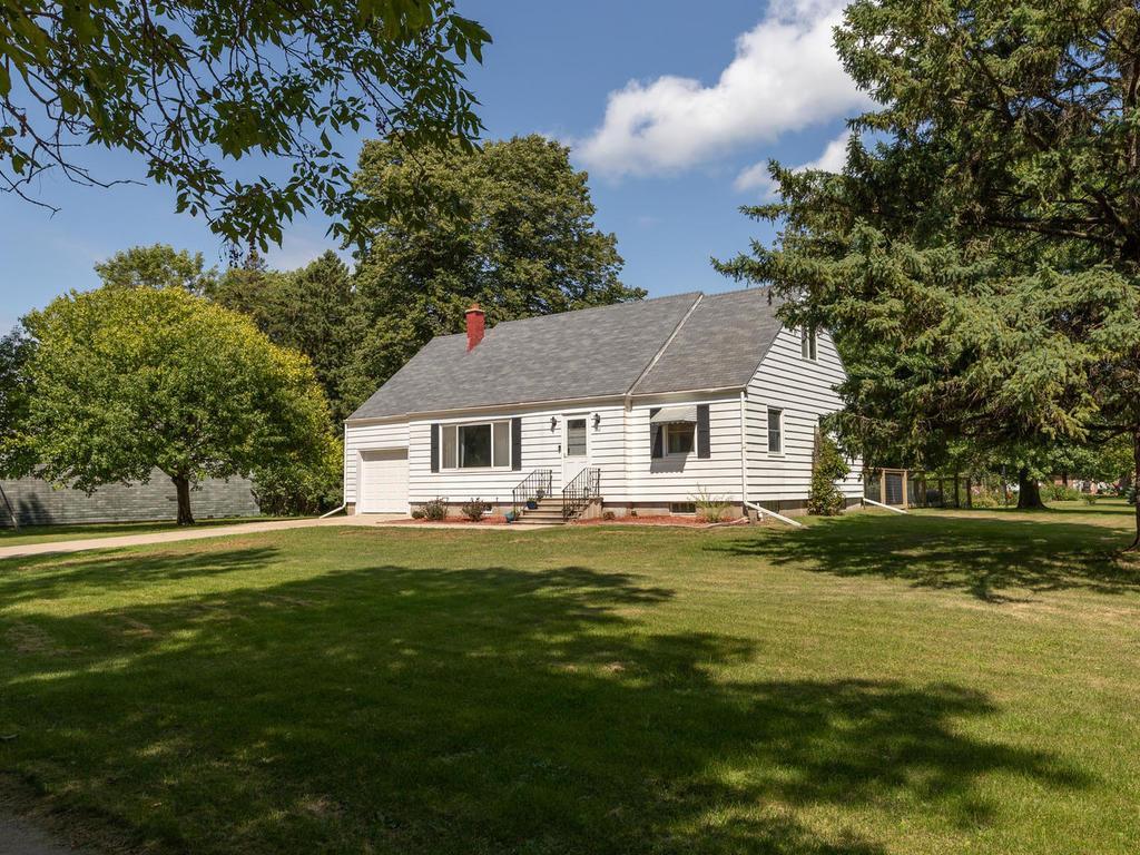 410 2nd Street NE Property Photo - Hayfield, MN real estate listing