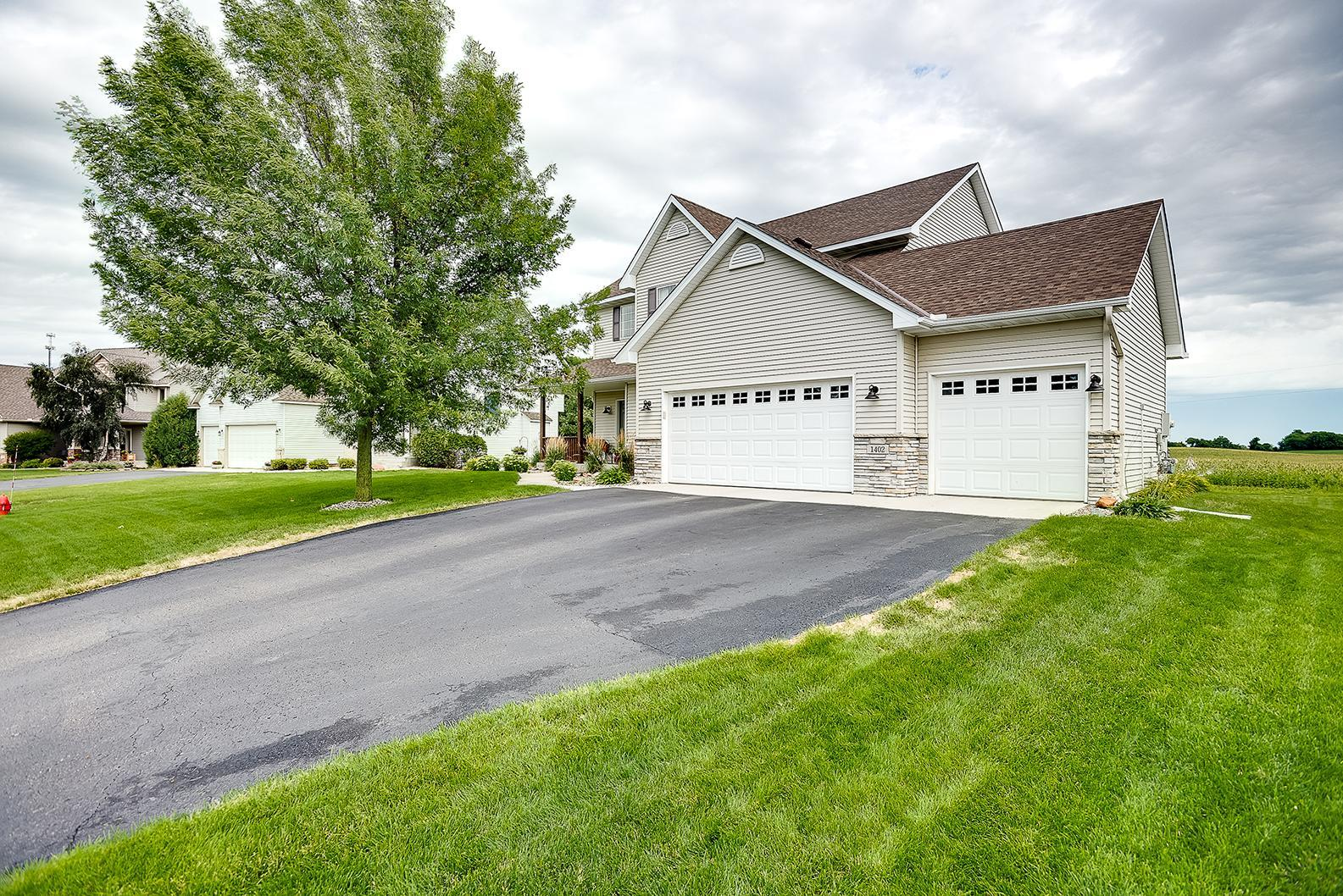 1402 Bellavista Circle Property Photo - Buffalo, MN real estate listing