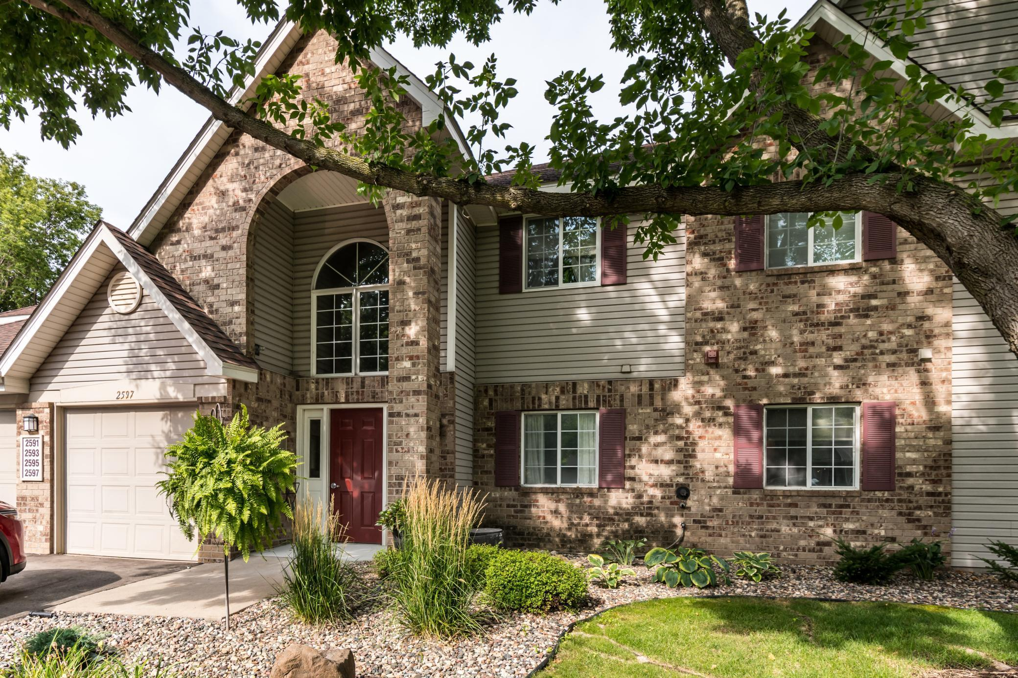 2593 Heritage Drive #98 Property Photo - Mendota Heights, MN real estate listing