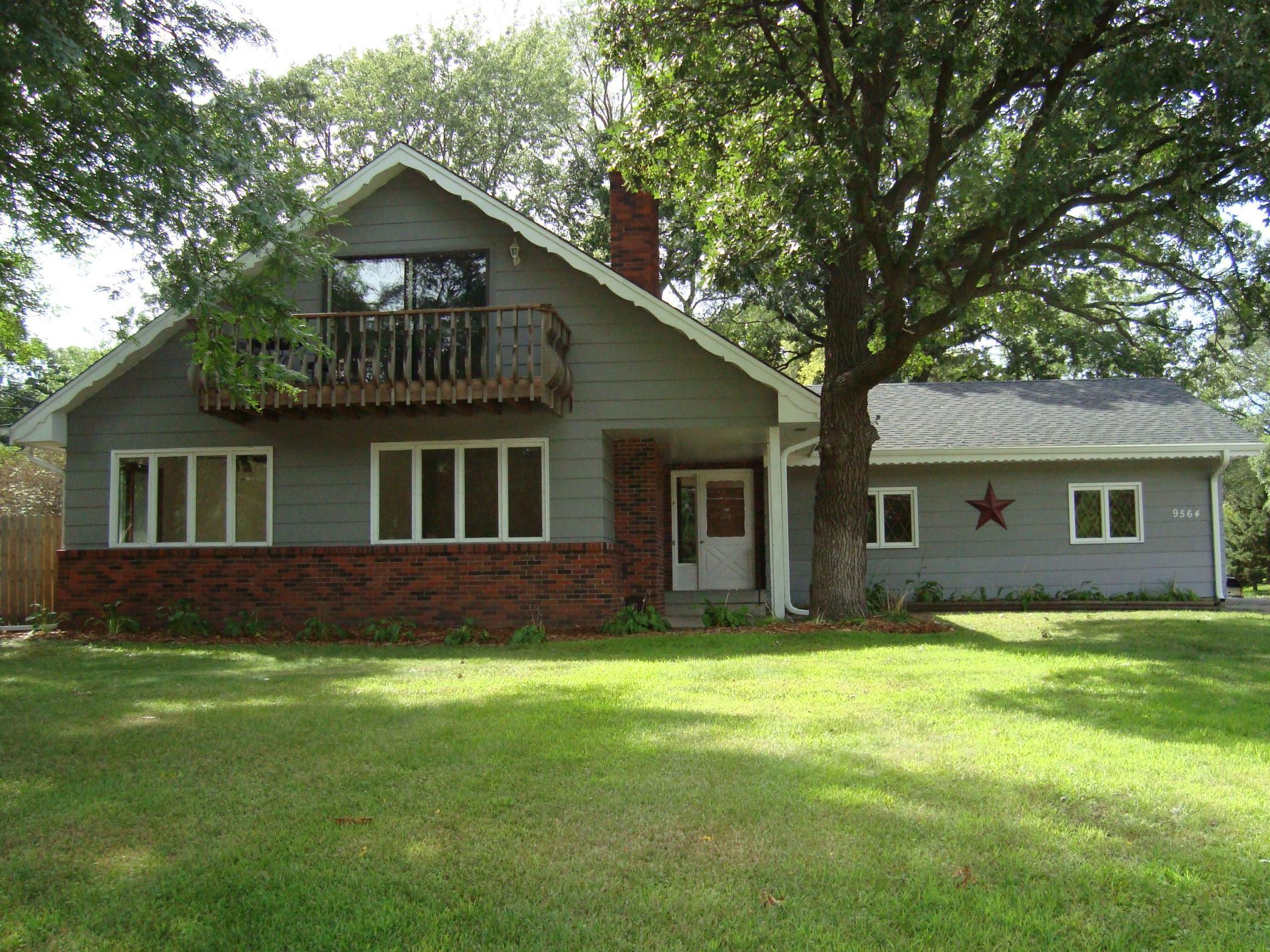 9564 Lexington Avenue N Property Photo - Circle Pines, MN real estate listing