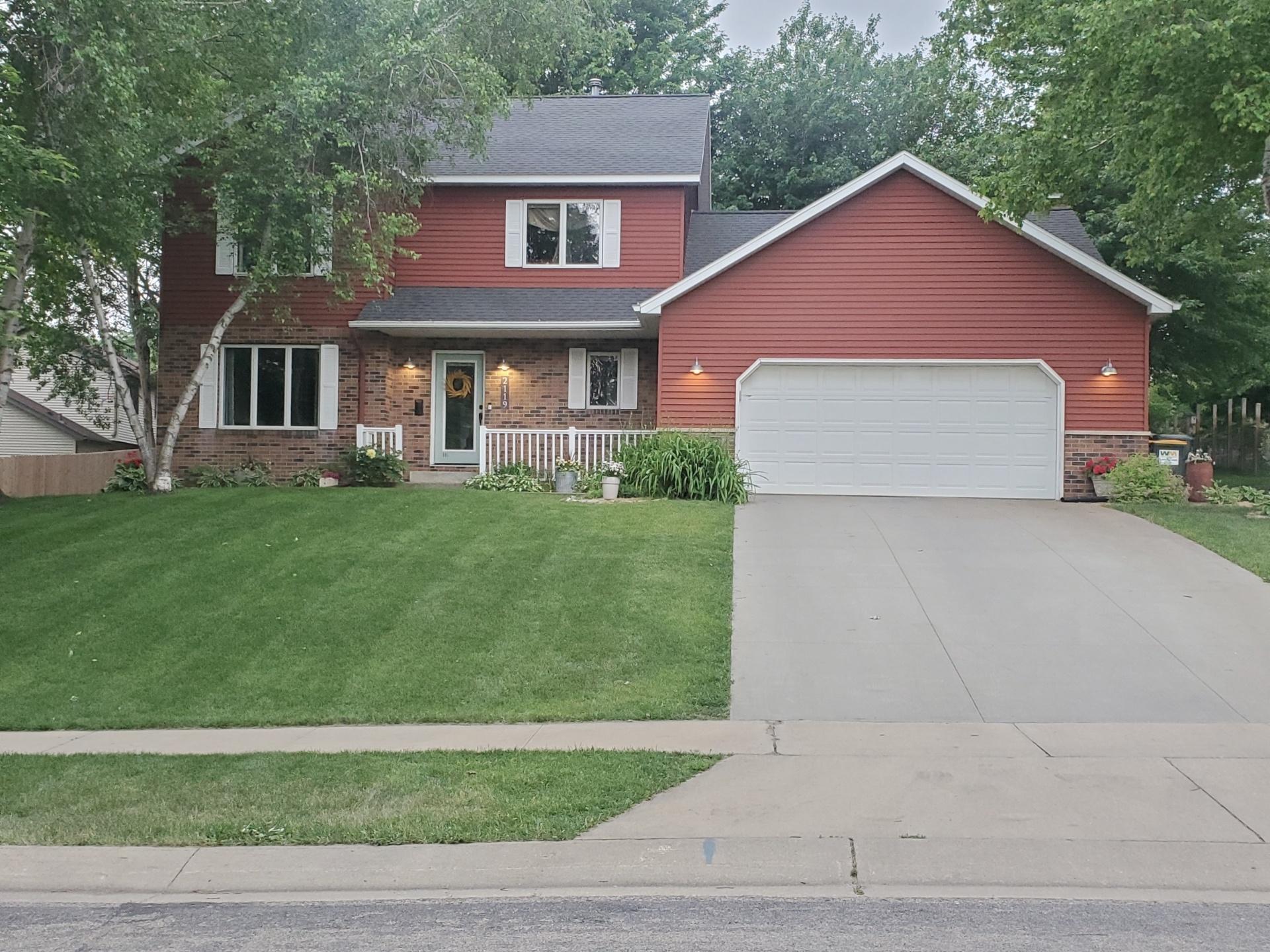 2119 Washington Lane SW Property Photo - Rochester, MN real estate listing