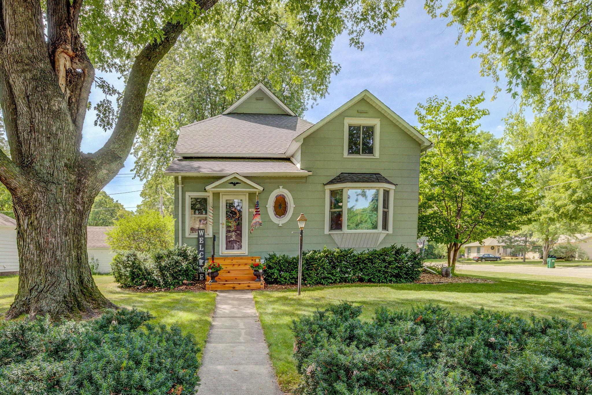 1431 Ford Avenue N Property Photo - Glencoe, MN real estate listing