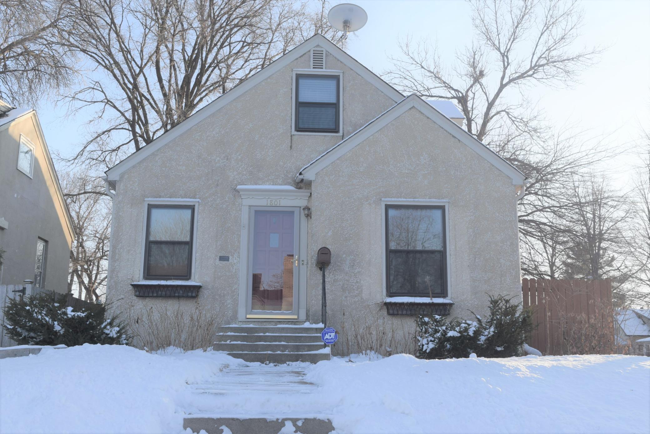 1801 E 46th Street Property Photo - Minneapolis, MN real estate listing
