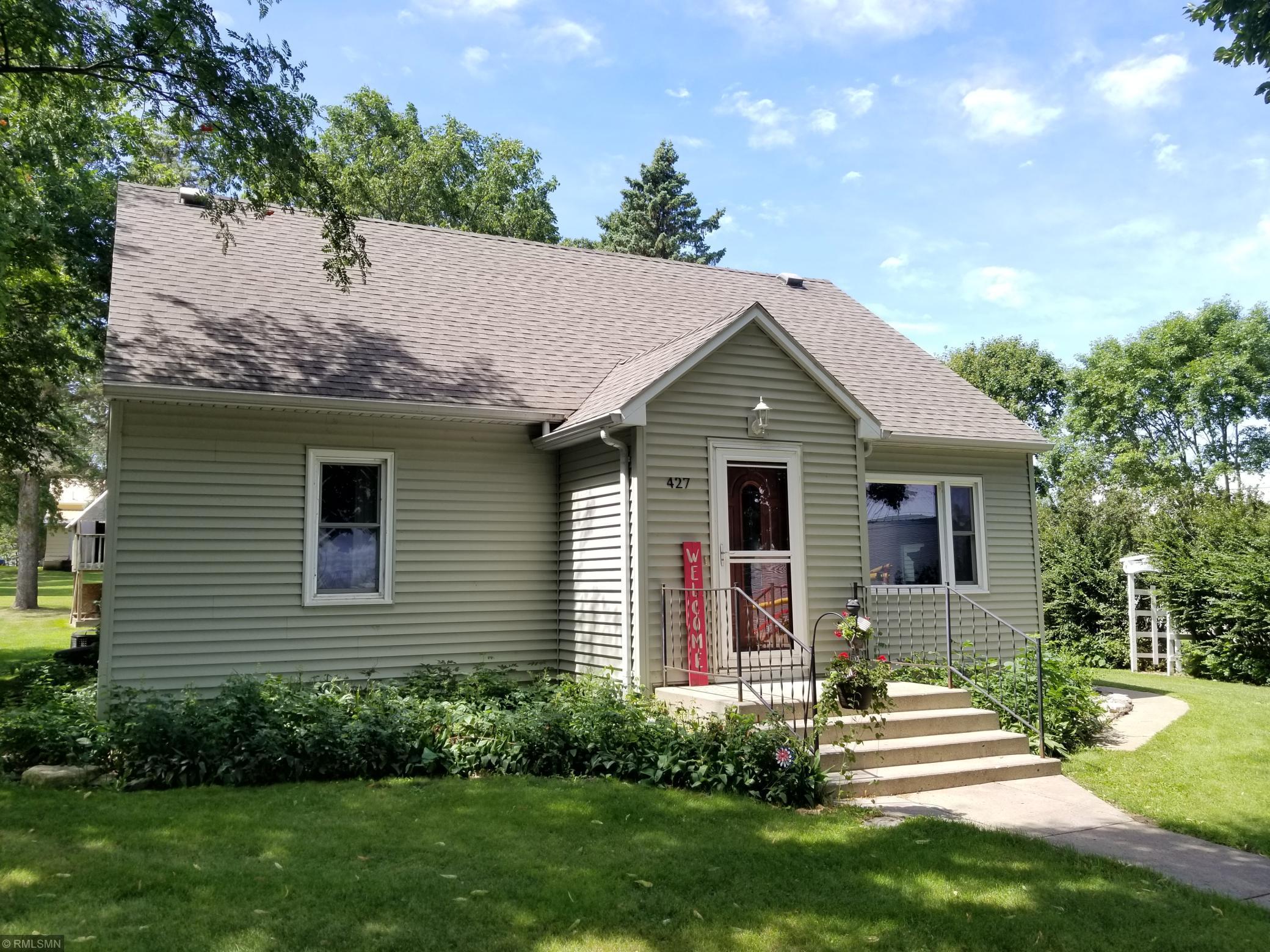427 N Sherwood Street Property Photo - Ivanhoe, MN real estate listing