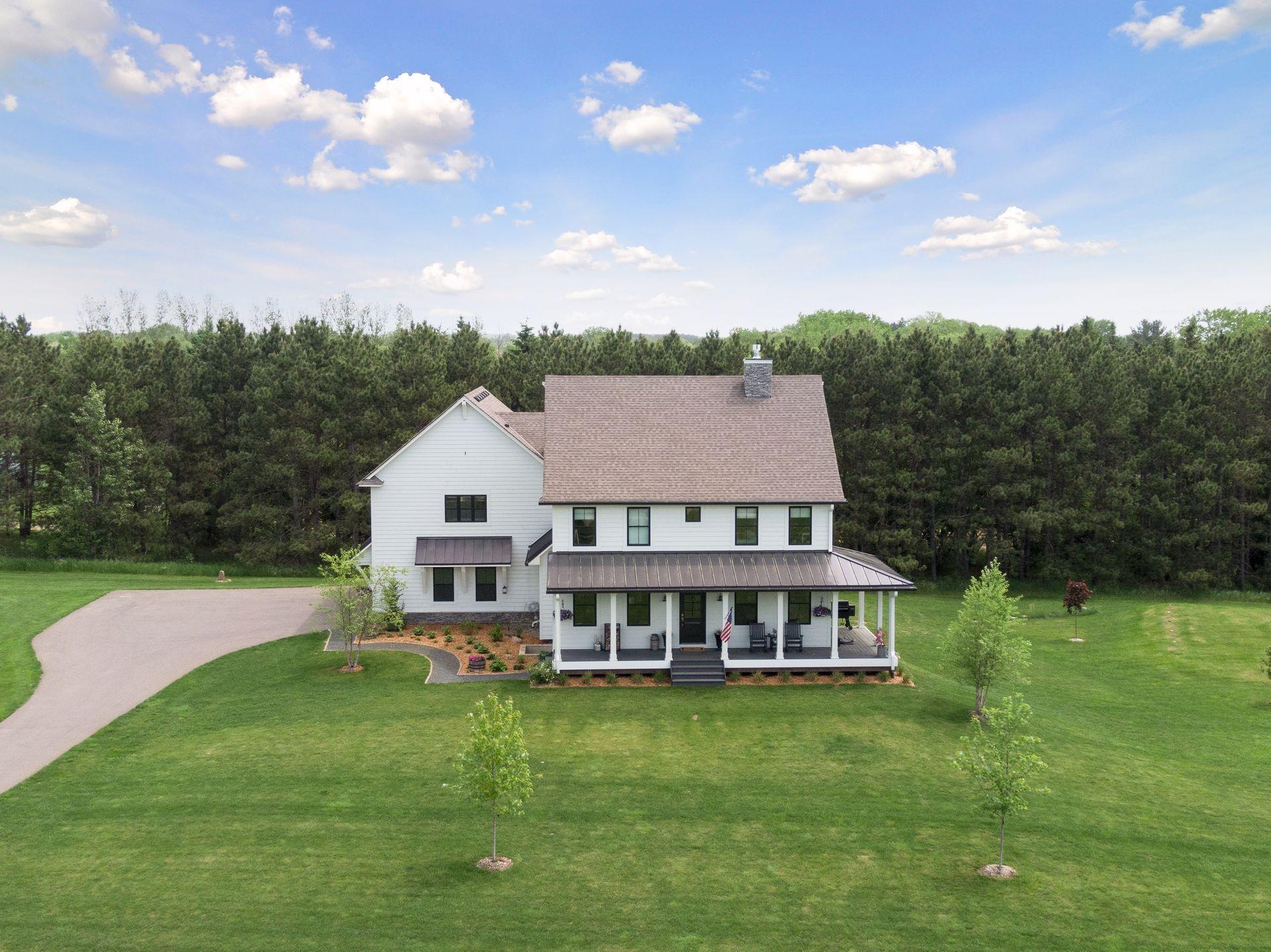 9611 Neal Avenue N Property Photo