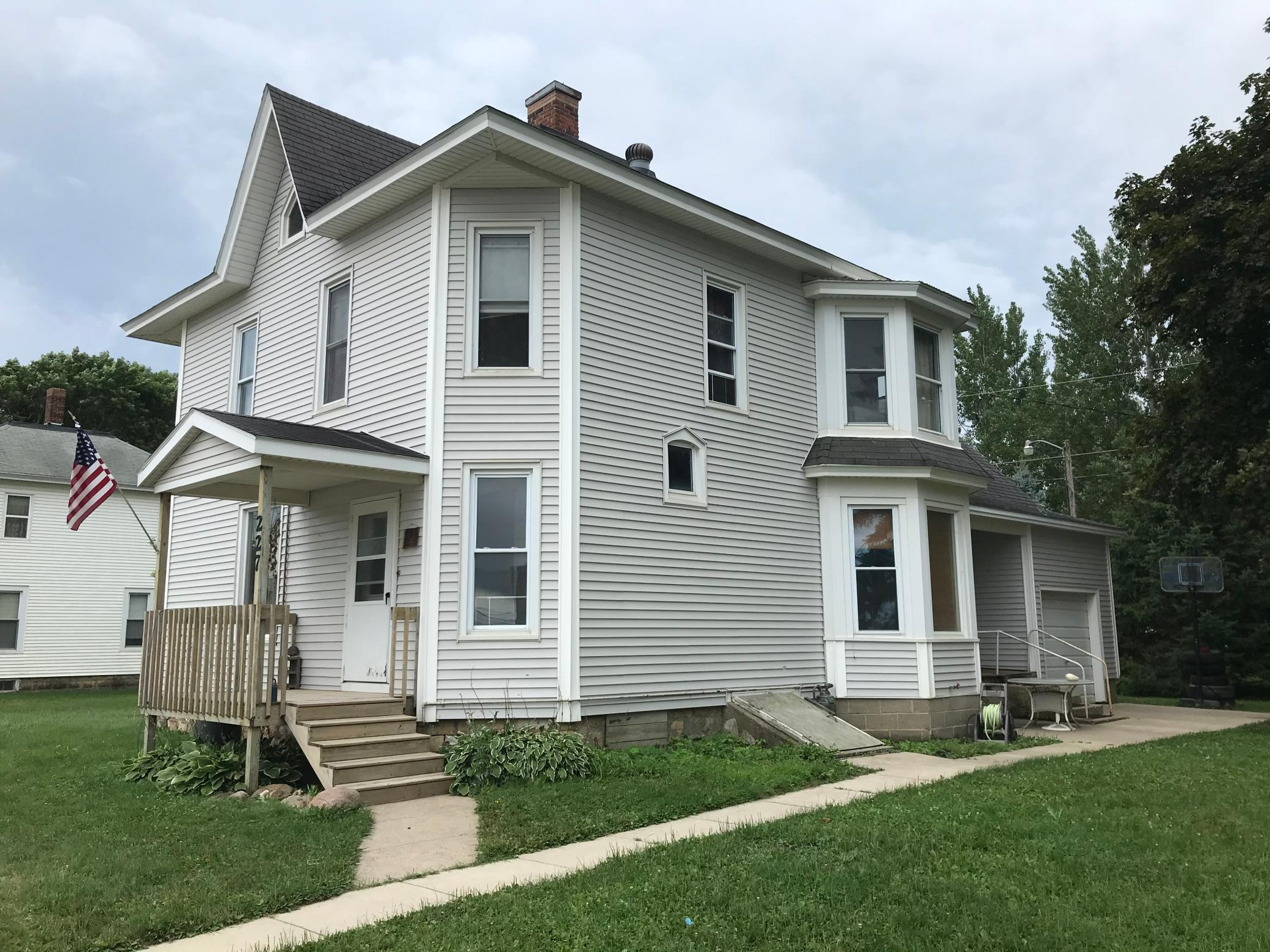 227 W Main Street Property Photo - Le Roy, MN real estate listing