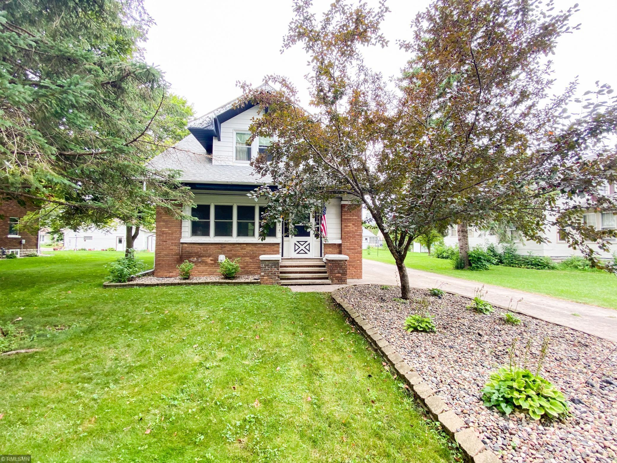 726 Bradley Avenue Property Photo - Gibbon, MN real estate listing