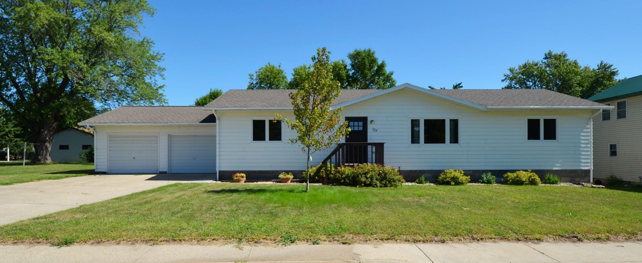 709 Douglas Avenue Property Photo - Henning, MN real estate listing