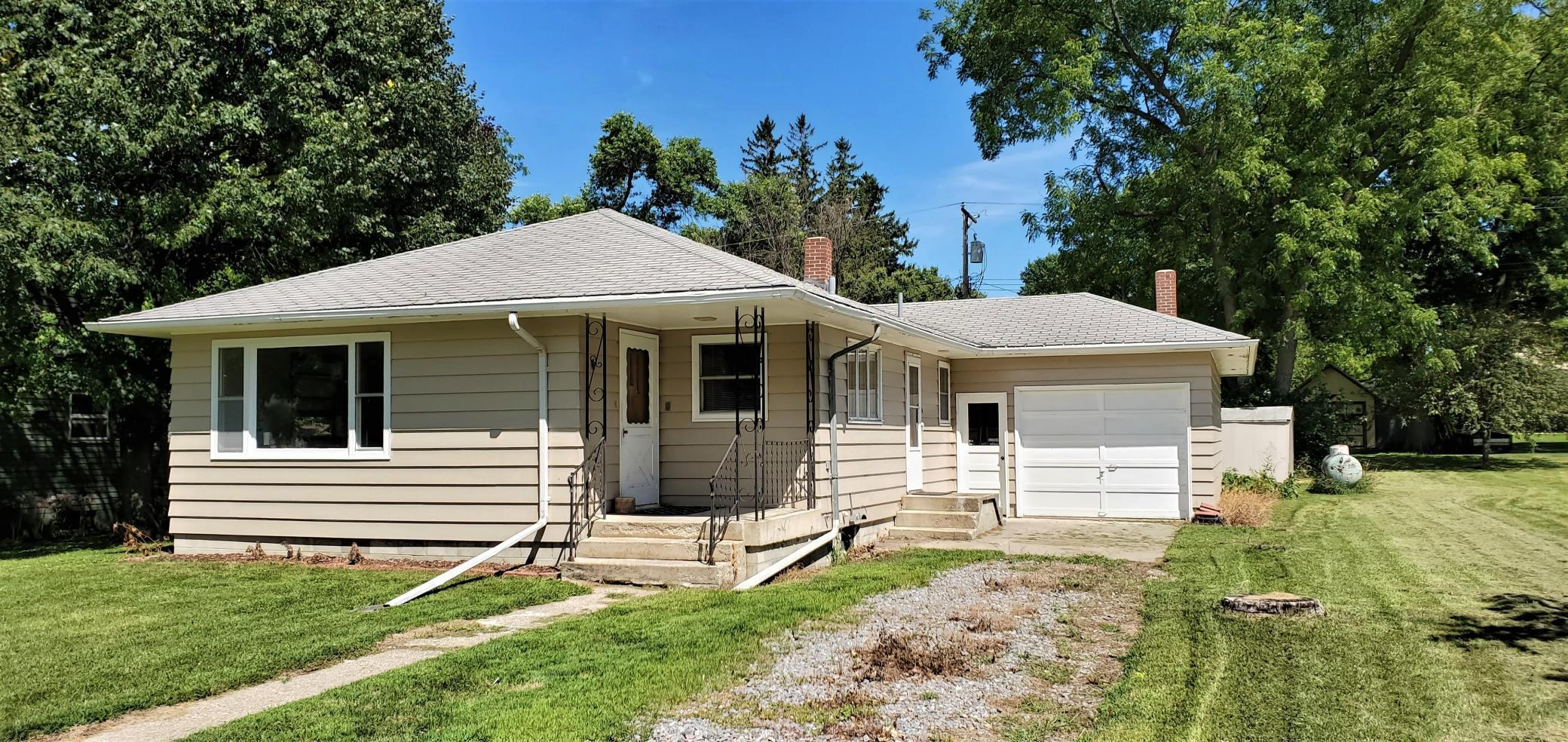 130 N Oak Street Property Photo