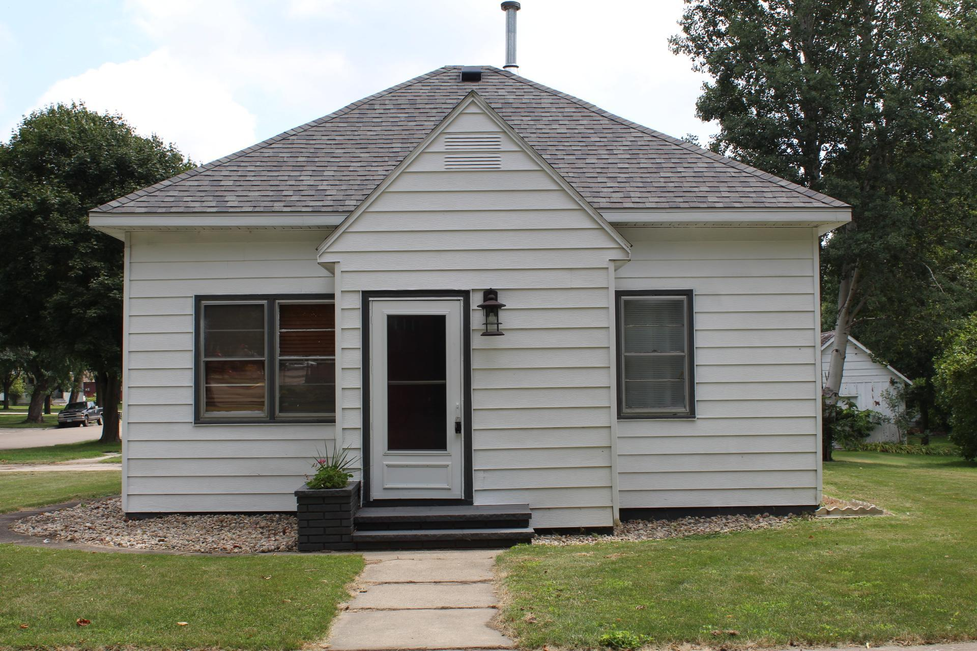 310 N Estey Street Property Photo - Luverne, MN real estate listing