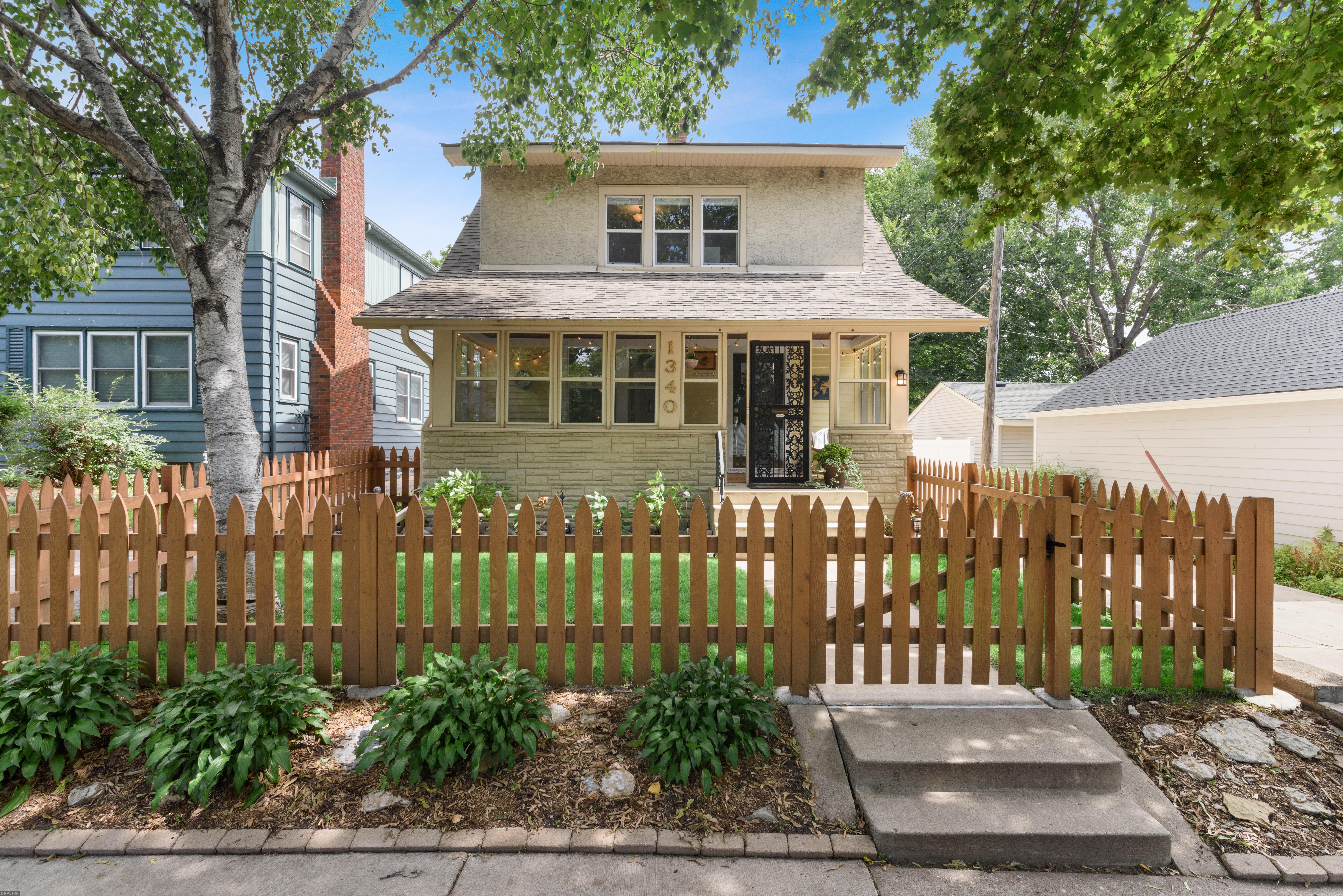 1340 Arona Street Property Photo - Saint Paul, MN real estate listing