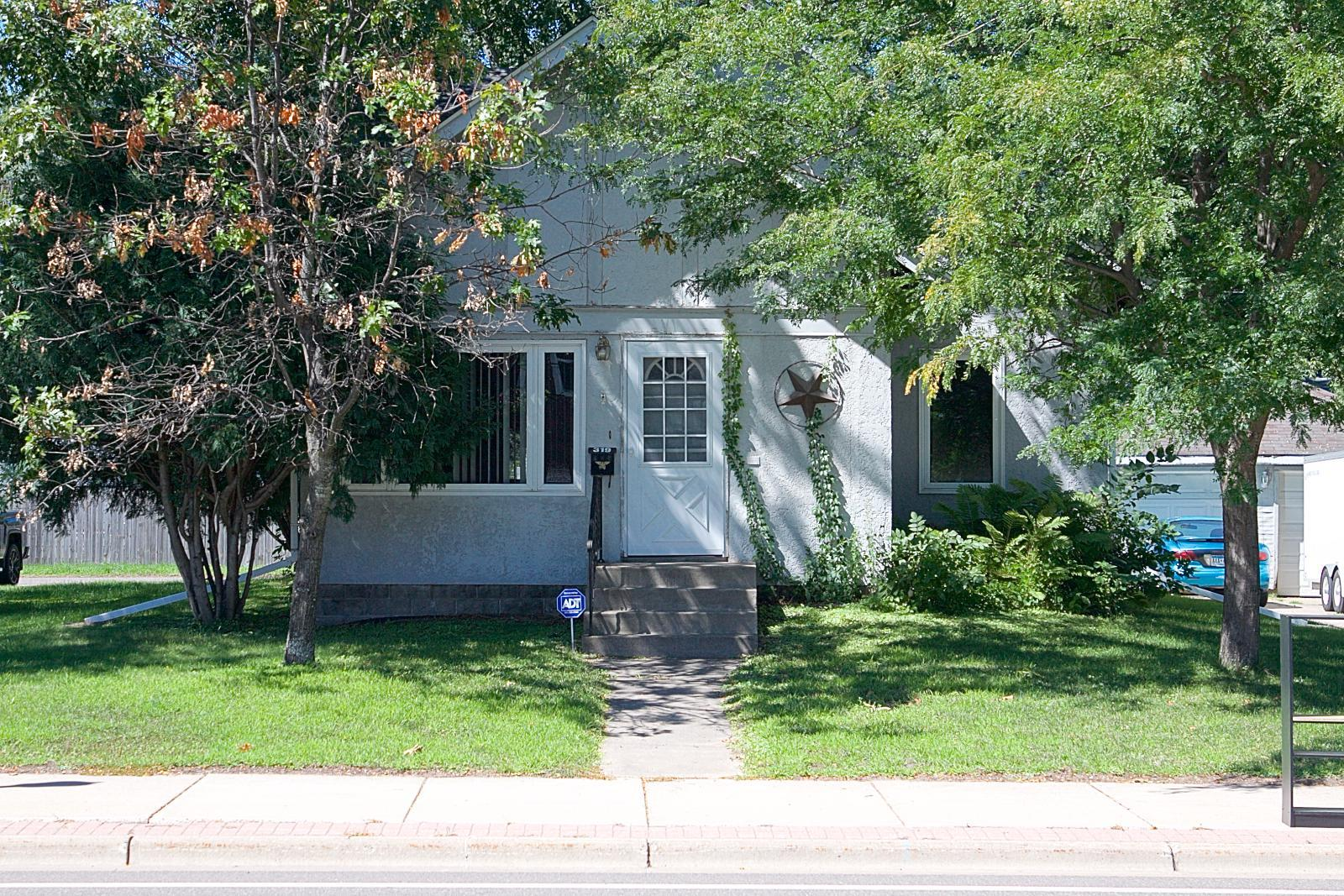 319 Main Street N Property Photo - Cambridge, MN real estate listing