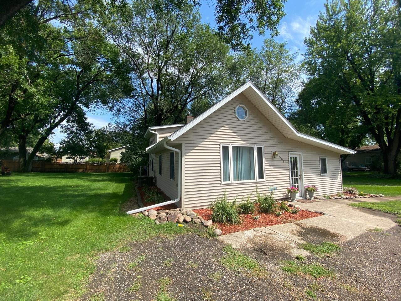 605 N Teal Street Property Photo - Janesville, MN real estate listing