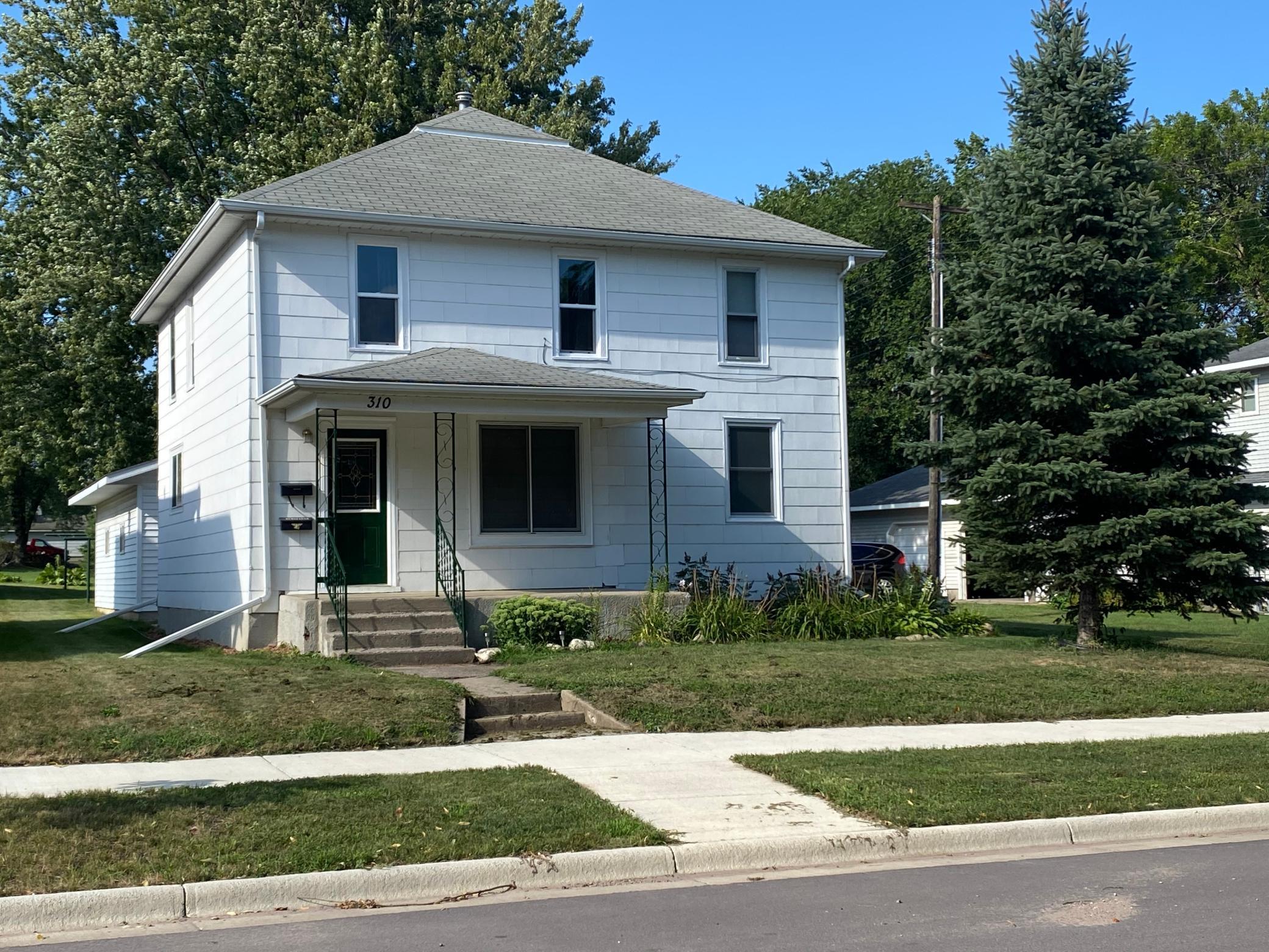 310 E Sanborn Street Property Photo - Springfield, MN real estate listing