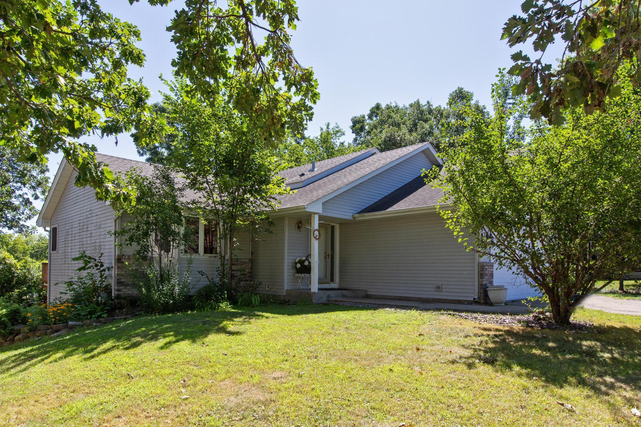 15085 Oakcrest Court Property Photo
