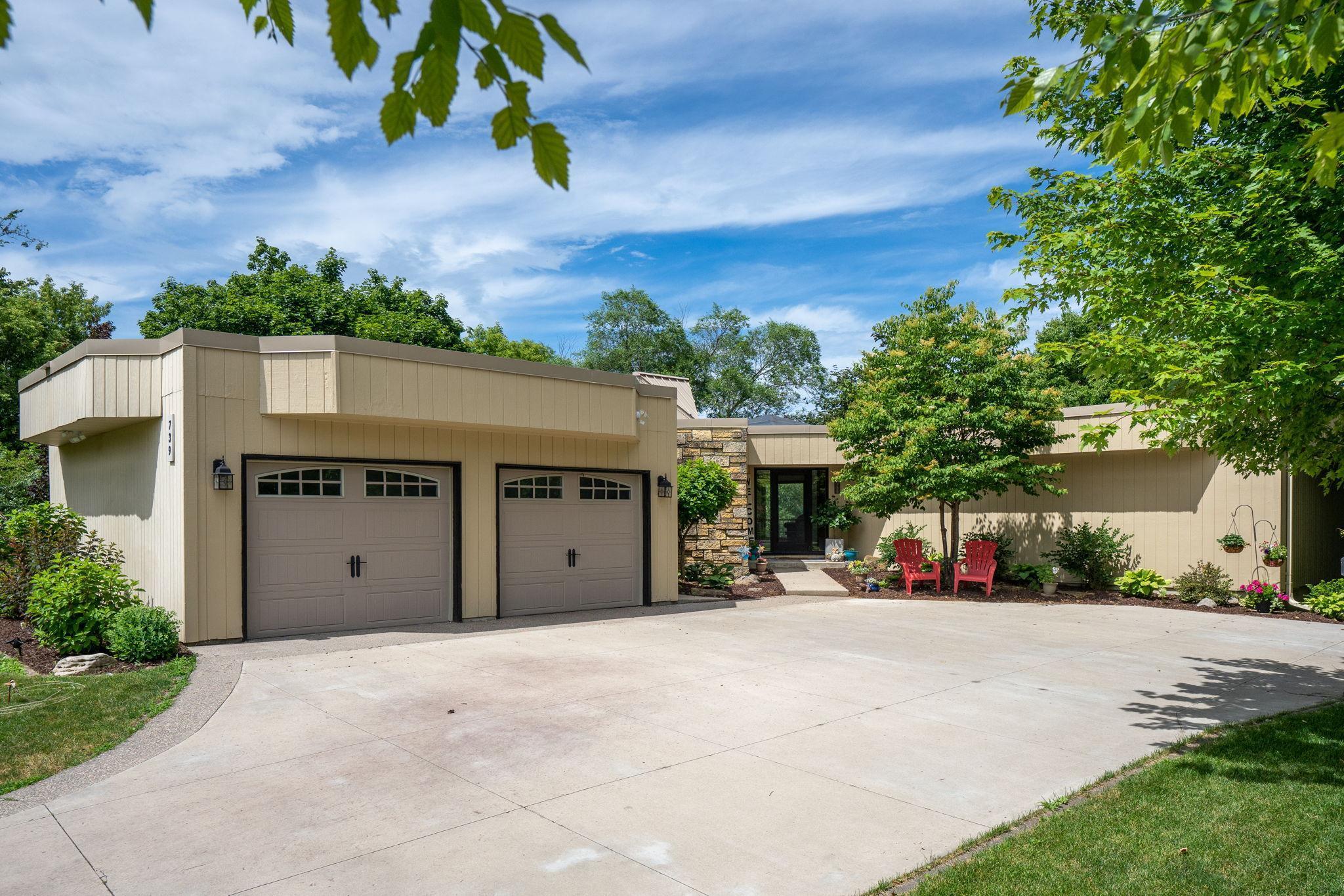 739 Anderson Court Property Photo - Mankato, MN real estate listing