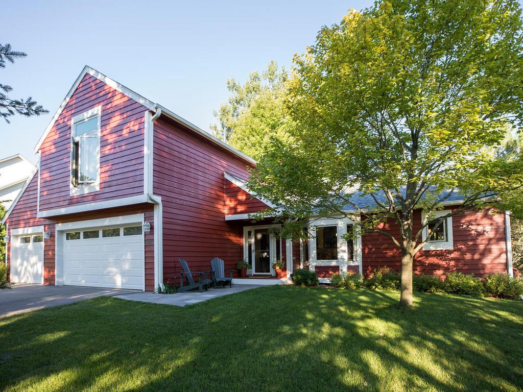 6443 Mere Drive Property Photo - Eden Prairie, MN real estate listing