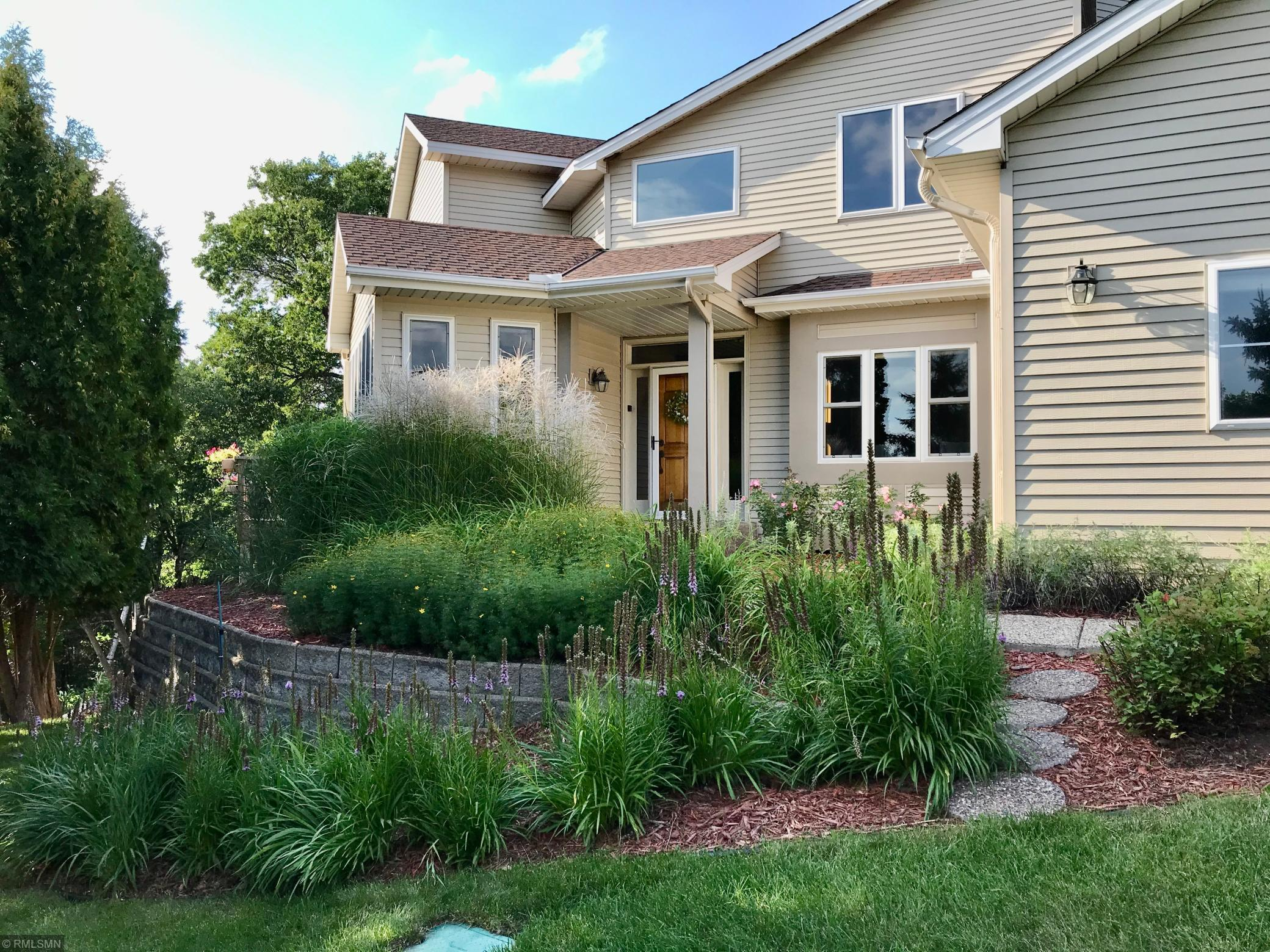 2335 Snowshoe Lane E Property Photo - Maplewood, MN real estate listing