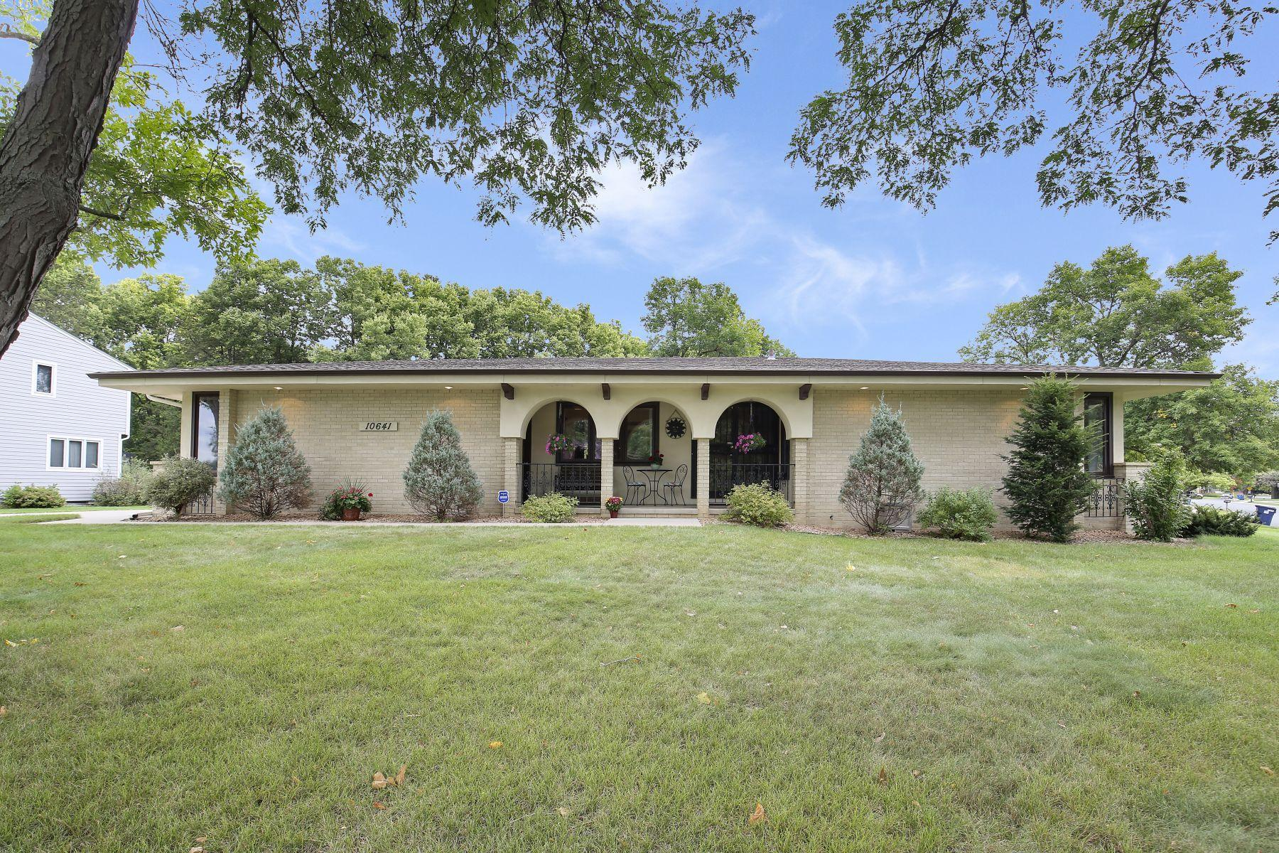 10641 Wentworth Avenue S Property Photo - Bloomington, MN real estate listing