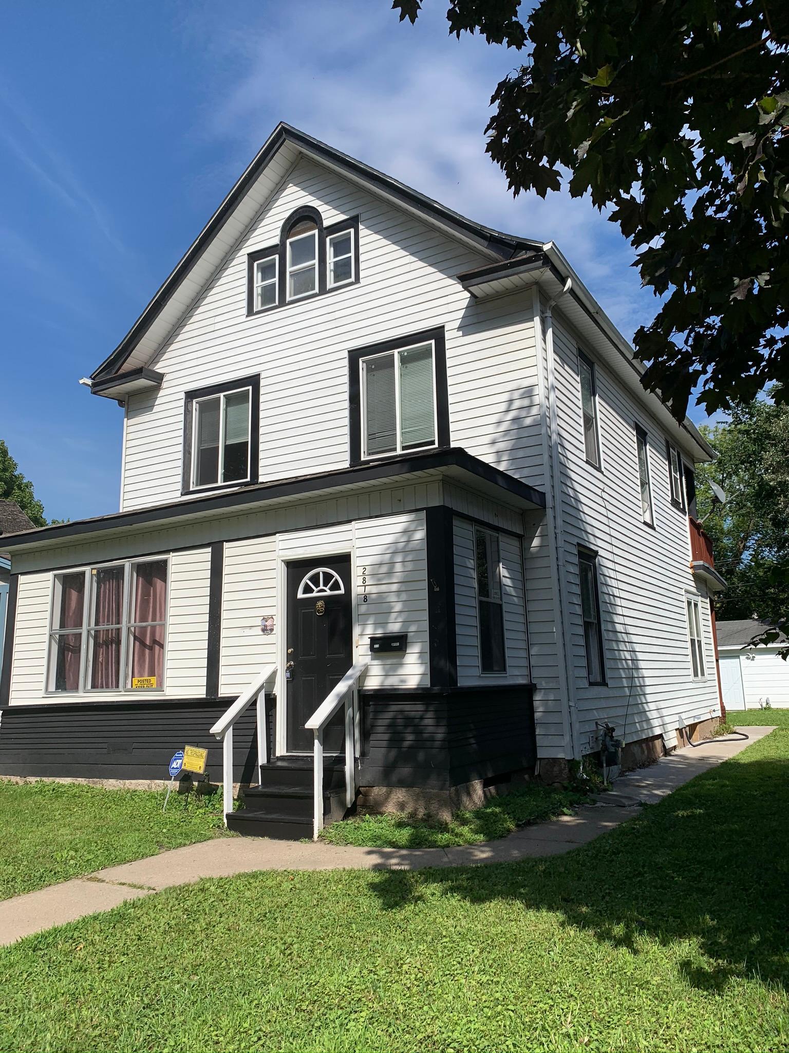 2818 Dupont Avenue N Property Photo