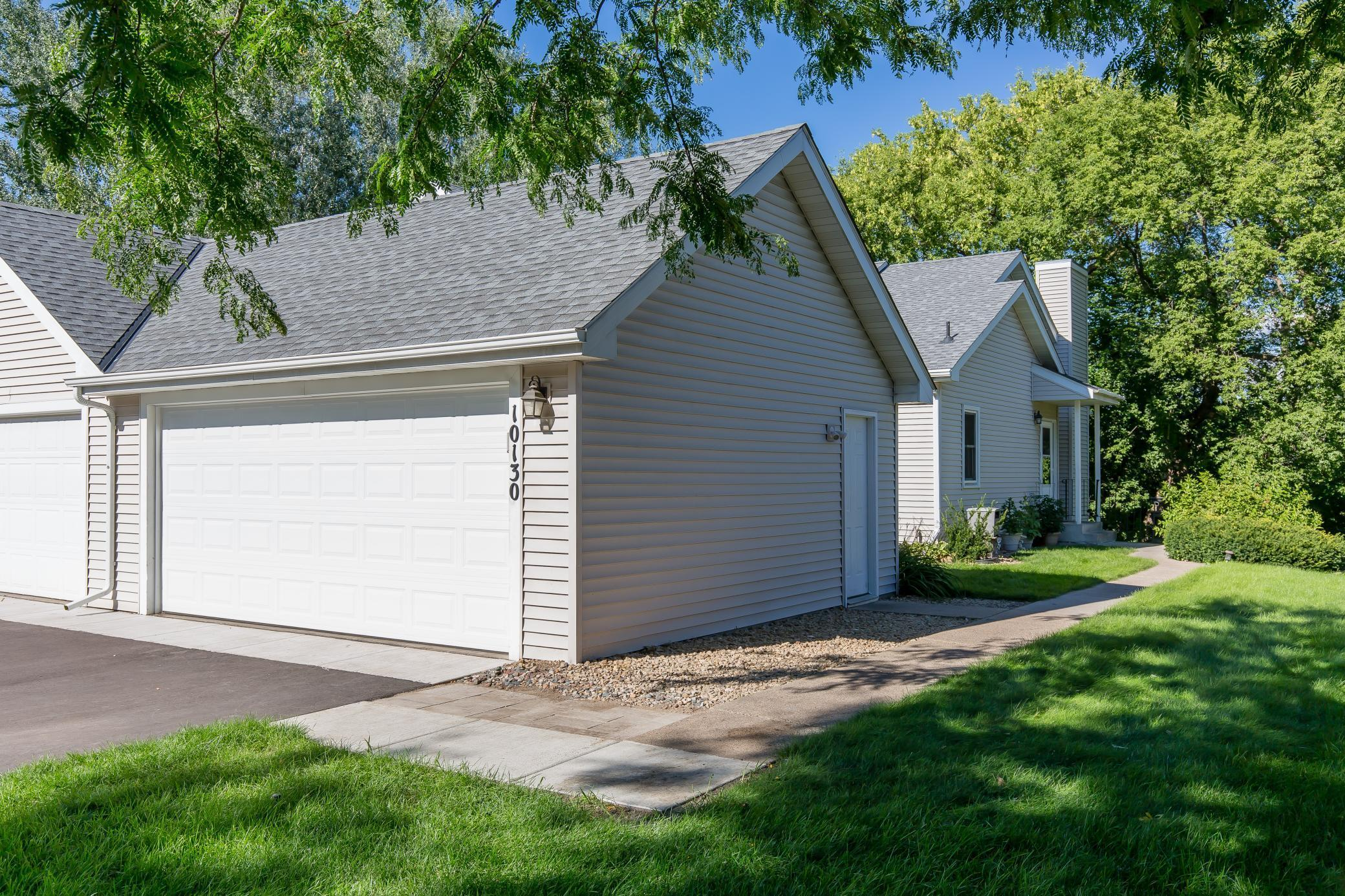 10130 Lee Drive Property Photo - Eden Prairie, MN real estate listing