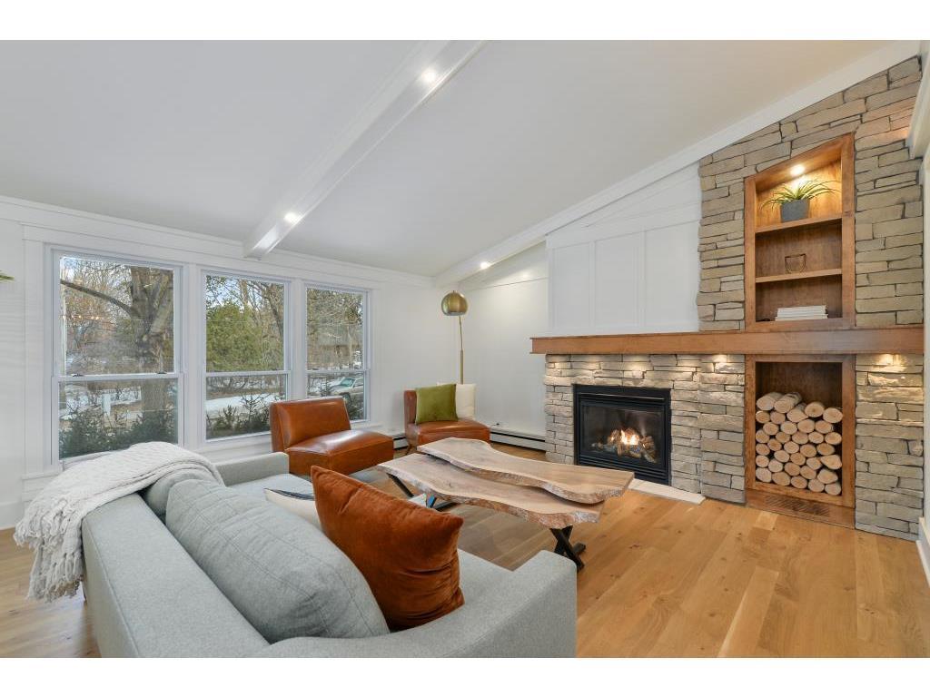 107 Arcwood Road Property Photo - Mahtomedi, MN real estate listing