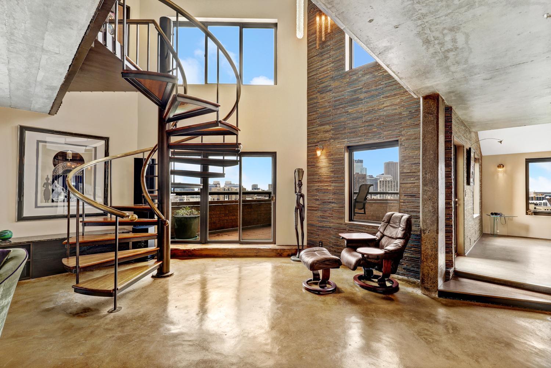 110 1st Avenue NE #F1704 Property Photo - Minneapolis, MN real estate listing