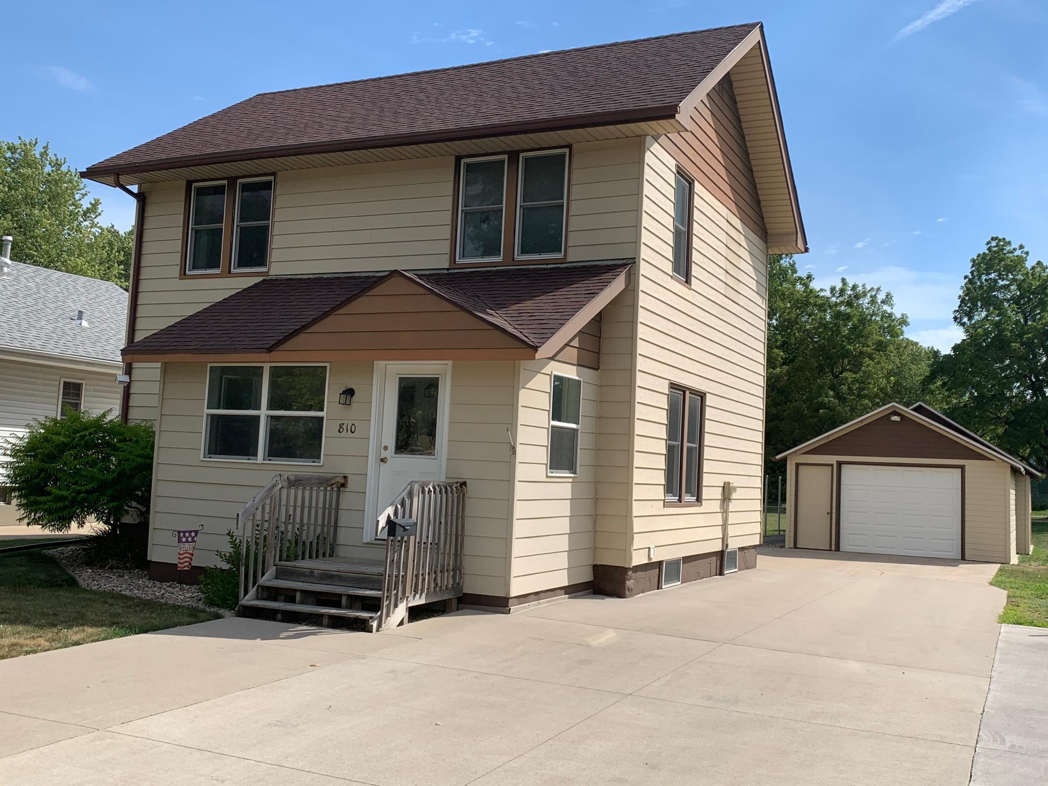 810 Humiston Avenue Property Photo - Worthington, MN real estate listing