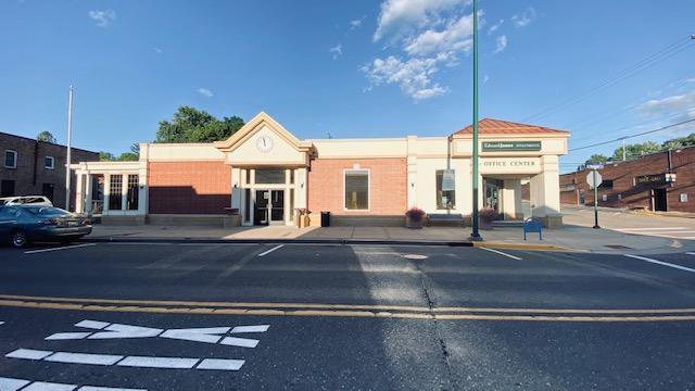 102/106 N Washington Property Photo - Saint Croix Falls, WI real estate listing