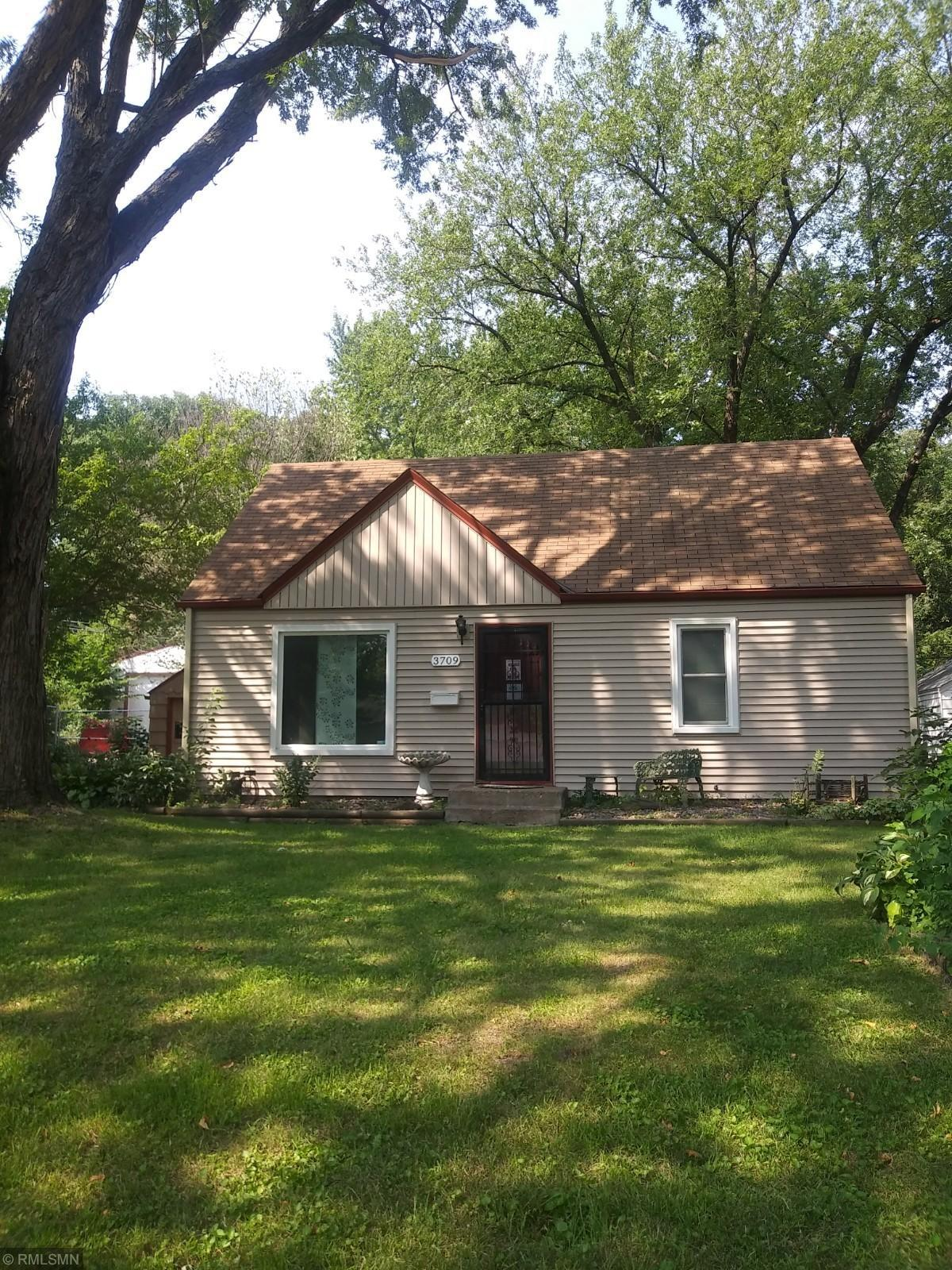 3709 Yates Avenue N Property Photo